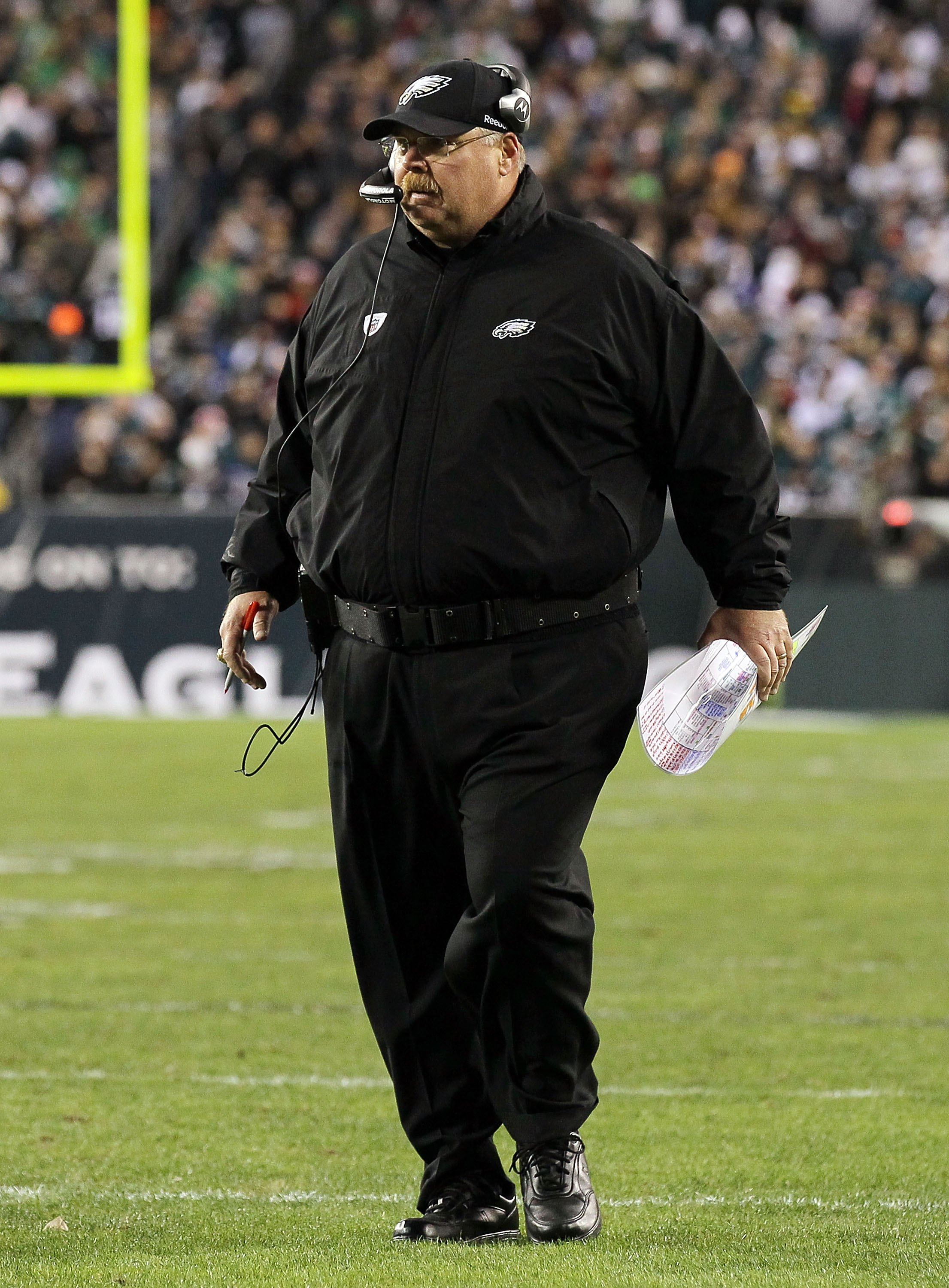 PHILADELPHIA - NOVEMBER 07:  Head coach Andy Reid of the Philadelphia Eagles against the Indianapolis Colts on November 7, 2010 at Lincoln Financial Field in Philadelphia, Pennsylvania.  (Photo by Jim McIsaac/Getty Images)