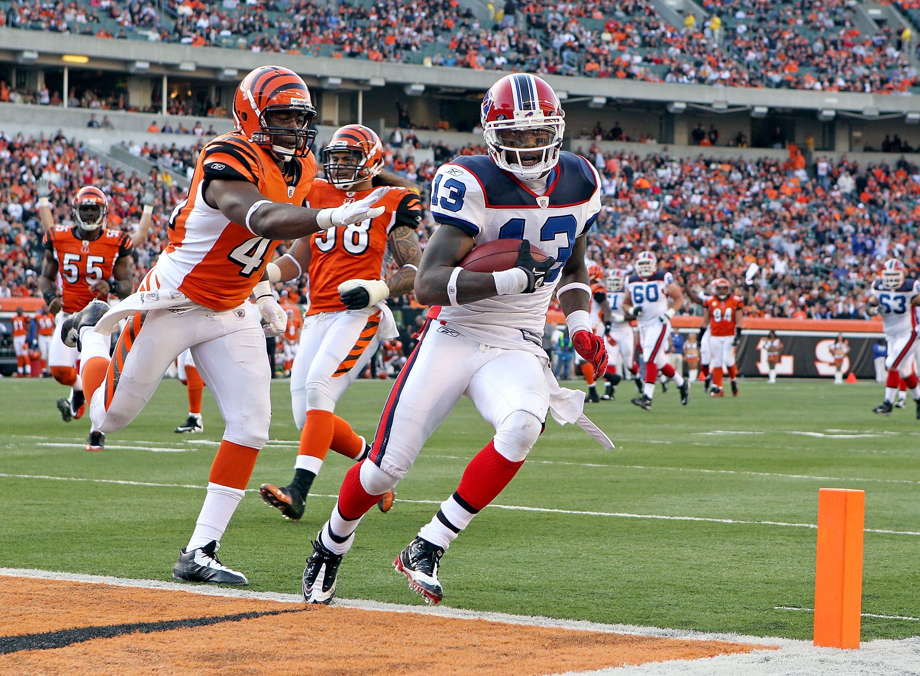 CINCINNATI - NOVEMBER 21:  Steve Johnson #13 of the Buffalo Bills runs for a touchdown during NFL game against the Cincinnati Bengals at Paul Brown Stadium on November 21, 2010 in Cincinnati, Ohio. The Bills won 49-21.  (Photo by Andy Lyons/Getty Images)