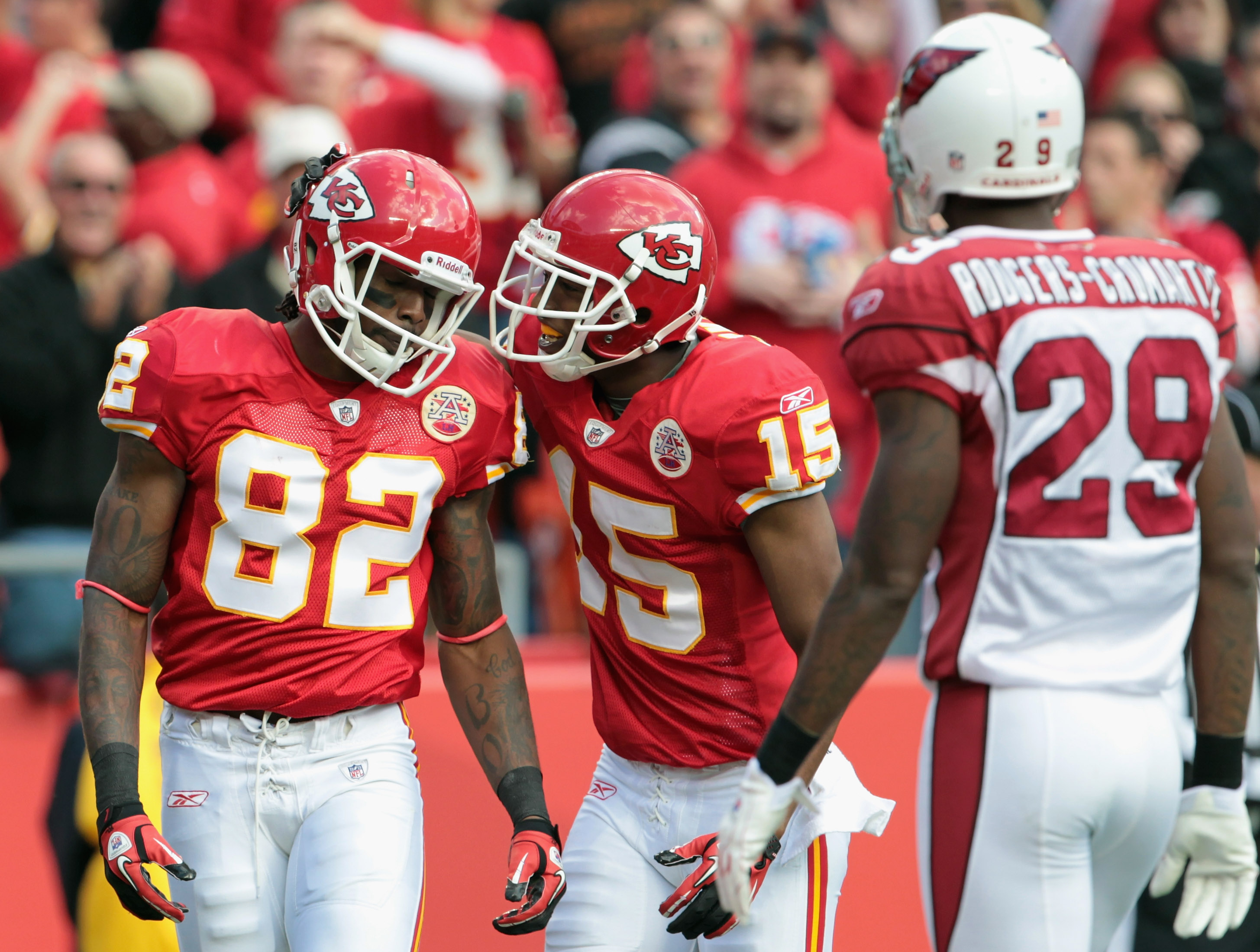 KANSAS CITY, MO - NOVEMBER 21:  Verran Tucker #15 of the Kansas City Chiefs congratulates Dwayne Bowe #82 after a touchdown during the game against the Arizona Cardinals at Arrowhead Stadium on November 21, 2010 in Kansas City, Missouri.  (Photo by Jamie