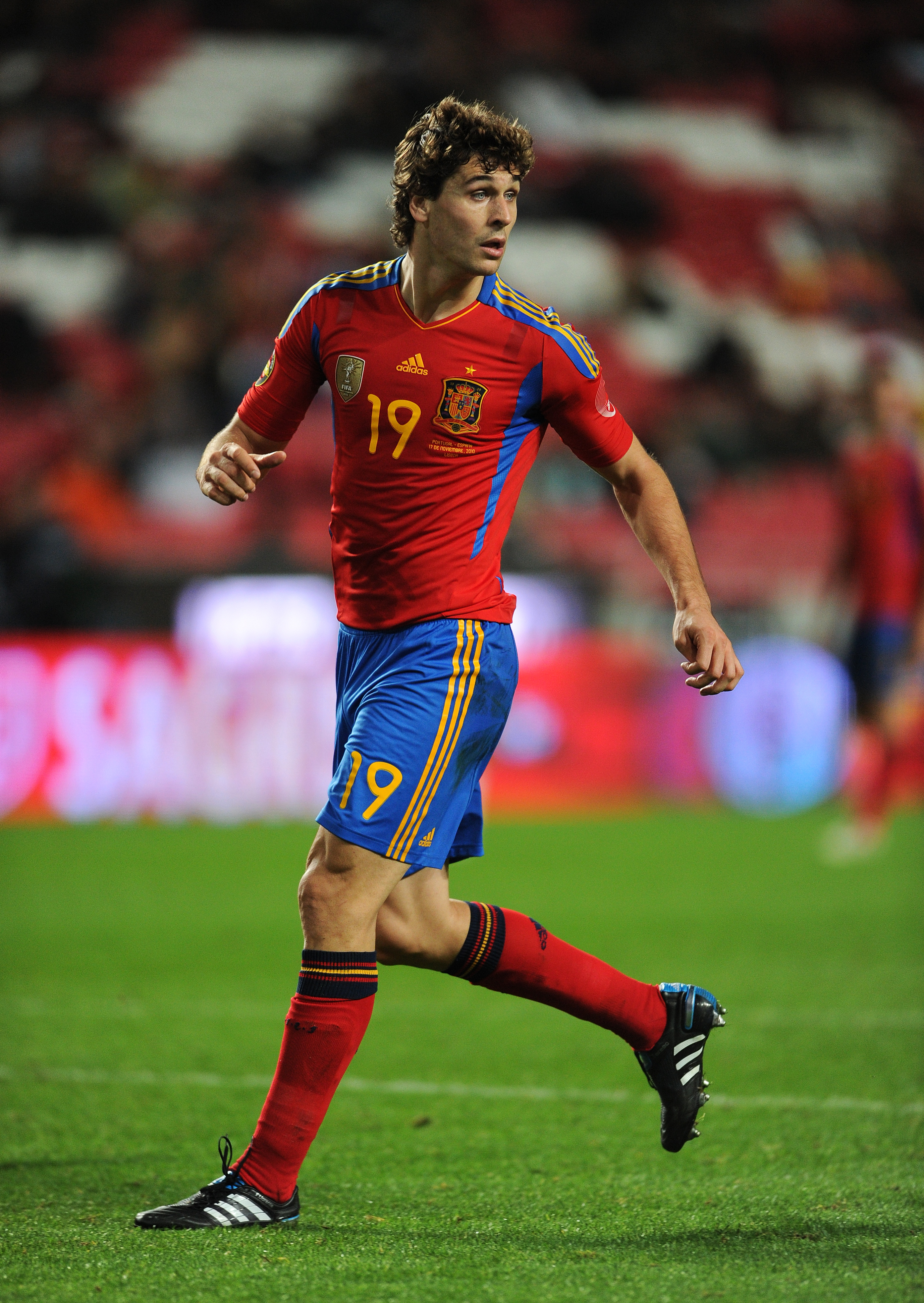 LISBON, PORTUGAL - NOVEMBER 17:  Fernando Llorente of Spain in action during the International Friendly match between Portugal and Spain at the Estadio da Luz on November 17, 2010 in Lisbon, Portugal.  (Photo by Jasper Juinen/Getty Images)