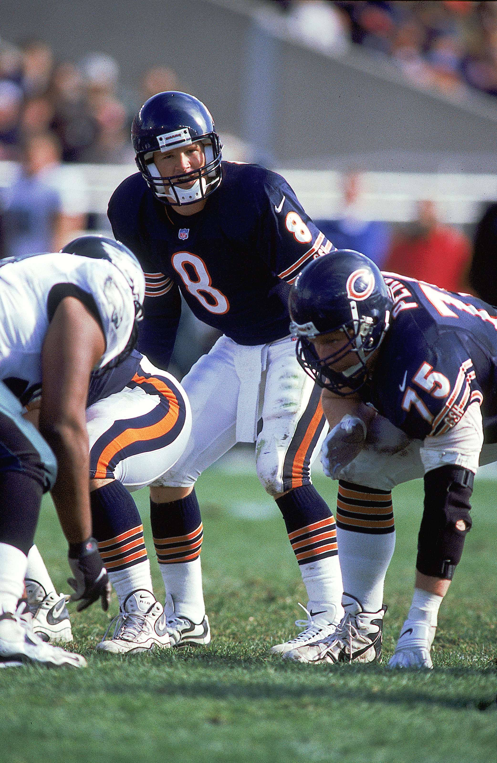 17 Oct 1999: Cade McNown #8 of the Chicago Bears calls the count from the line of scrimmage during the game against the Philadelphia Eagles at Soldier Field in Chicago, Illinois. The Eagles defeated the Bears 20-16. Mandatory Credit: Mark Lyons  /Allsport