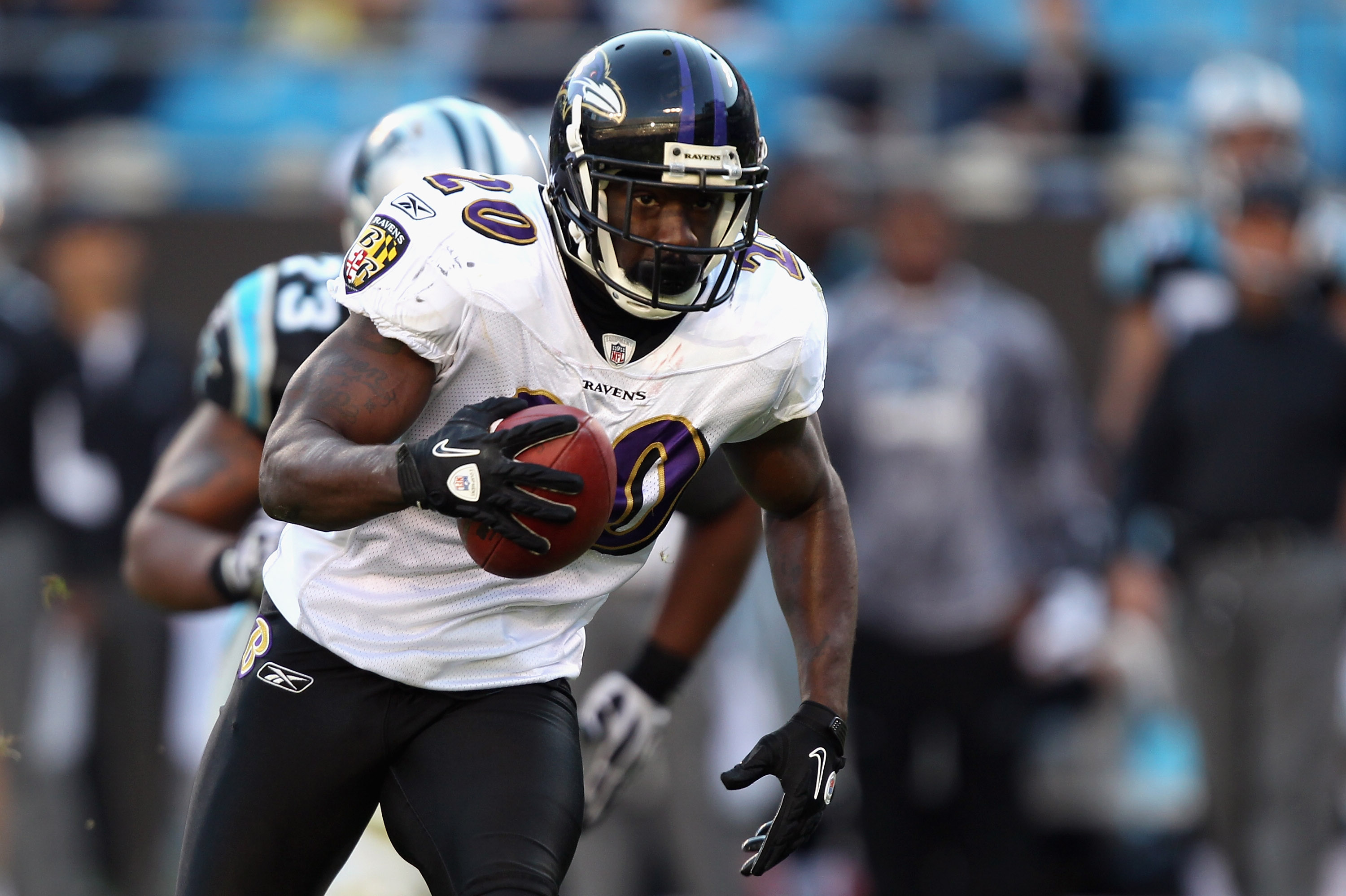 CHARLOTTE, NC - NOVEMBER 21:  Ed Reed #20 of the Baltimore Ravens against the Carolina Panthers at Bank of America Stadium on November 21, 2010 in Charlotte, North Carolina.  (Photo by Streeter Lecka/Getty Images)