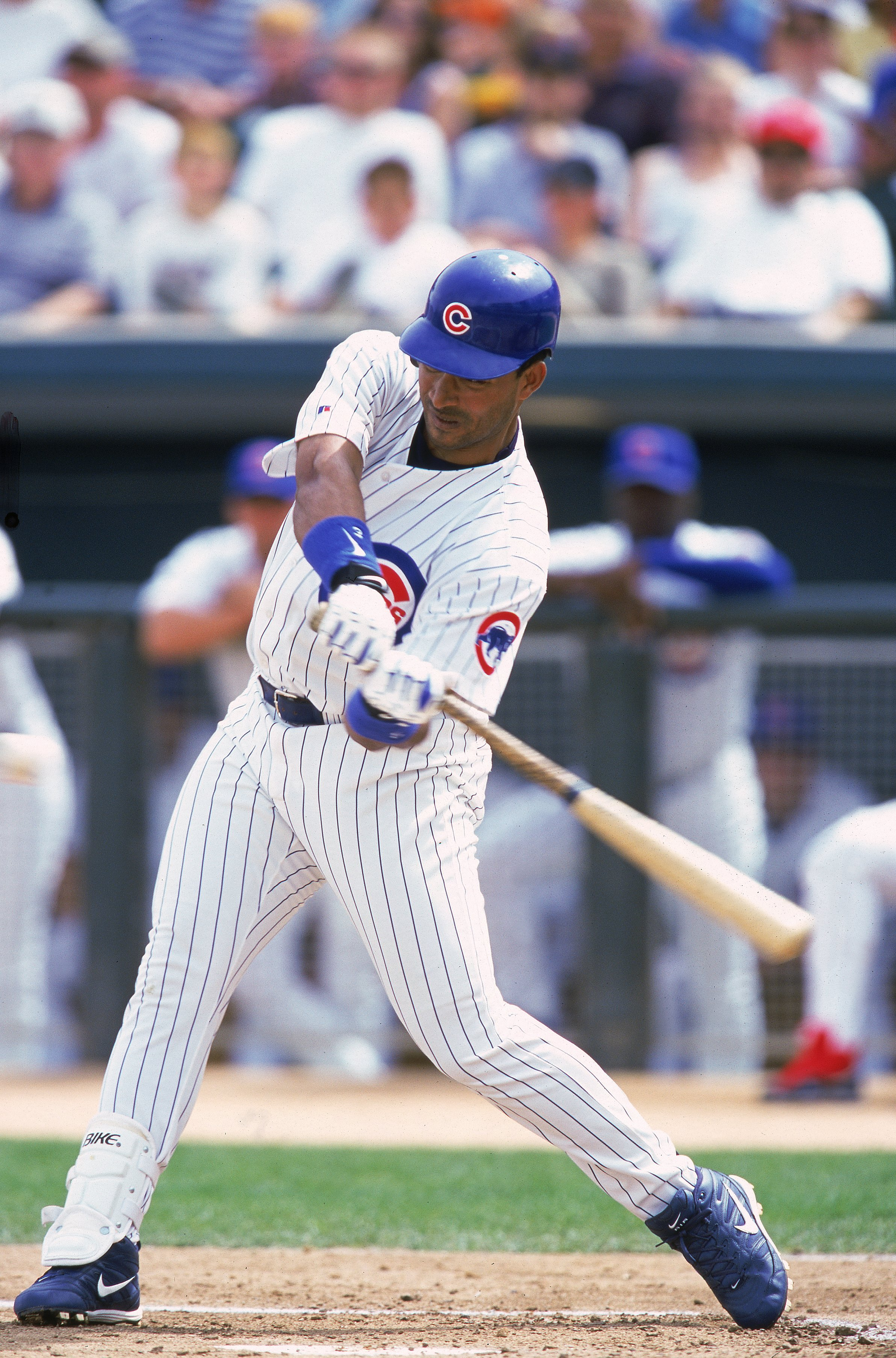 15 Mar 2000:  Henry Rodriguez #40 of the Chicago Cubs swings at the ball during the Spring Training Game against the Milwaukee Brewers at the HoHoKam Stadium in Mesa, Arizona. The Cubs defeated the Brewers 10-4. Mandatory Credit: Donald Miralle  /Allsport