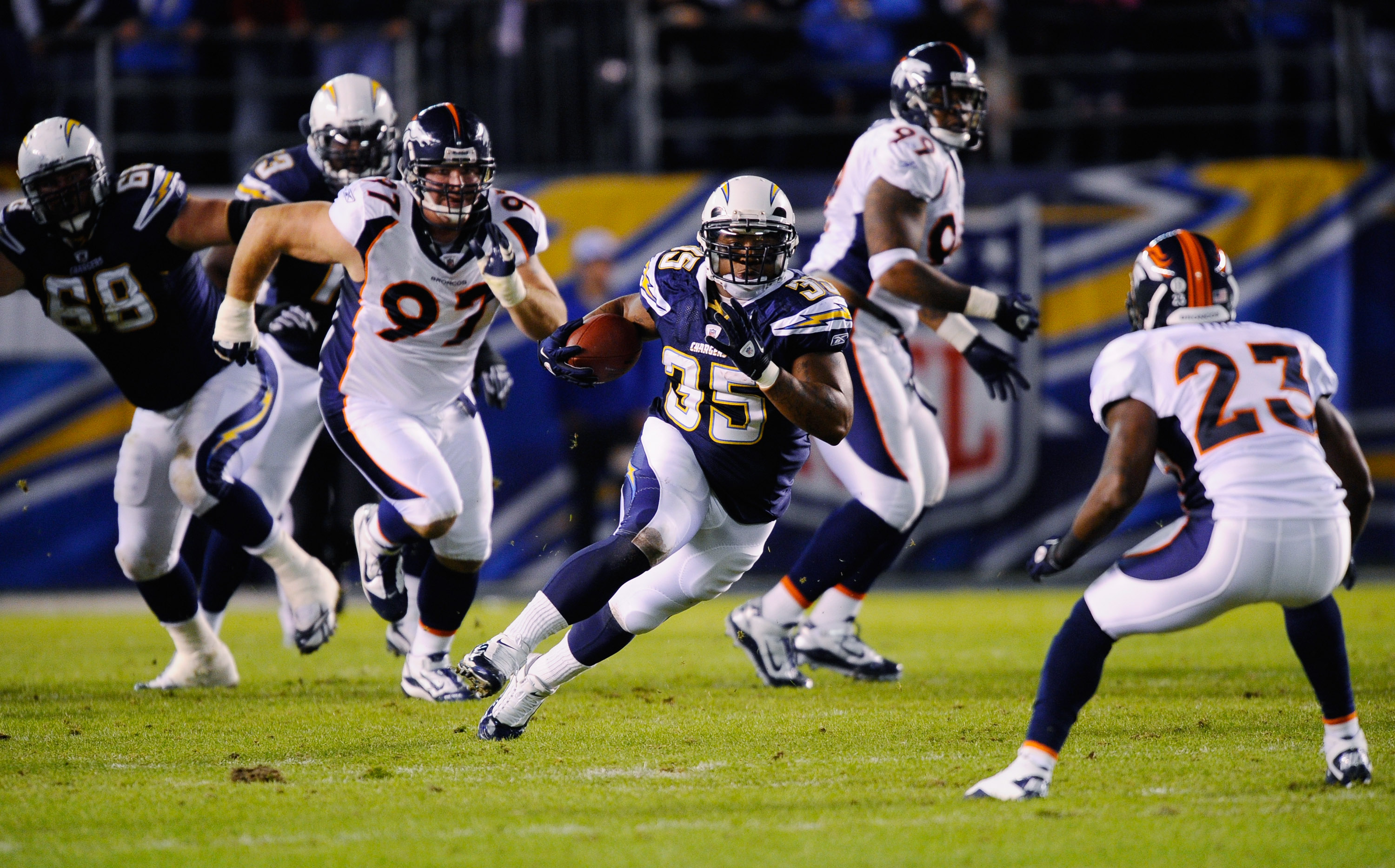 SAN DIEGO - NOVEMBER 22:  Mike Tolbert #35 of the San Diego Chargers in action against Denver Broncos at Qualcomm Stadium on November 22, 2010 in San Diego, California.  (Photo by Kevork Djansezian/Getty Images)
