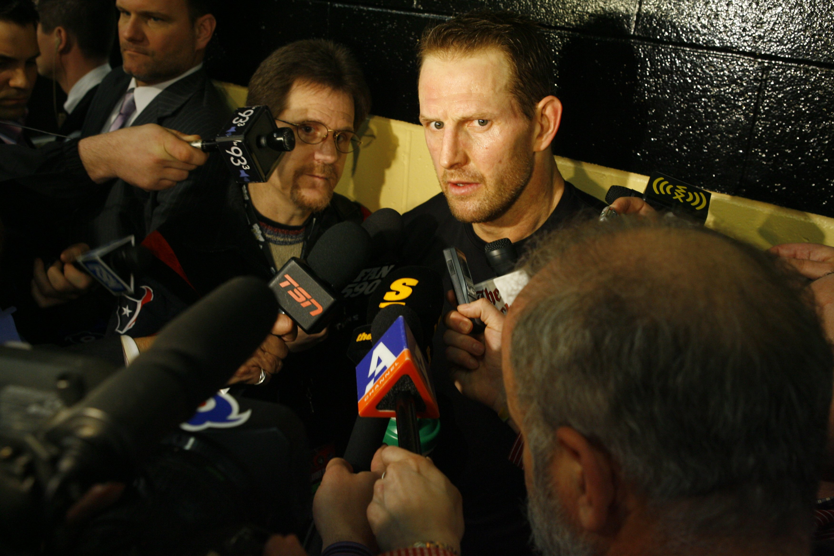 OTTAWA - APRIL 14:  Gary Roberts #10 of the Pittsburgh Penguins talks to reporters following the game against the Ottawa Senators in Game 2 of the 2007 Eastern Conference Quarterfinals on April 14, 2007 at Scotiabank Place in Ottawa, Ontario, Canada. The