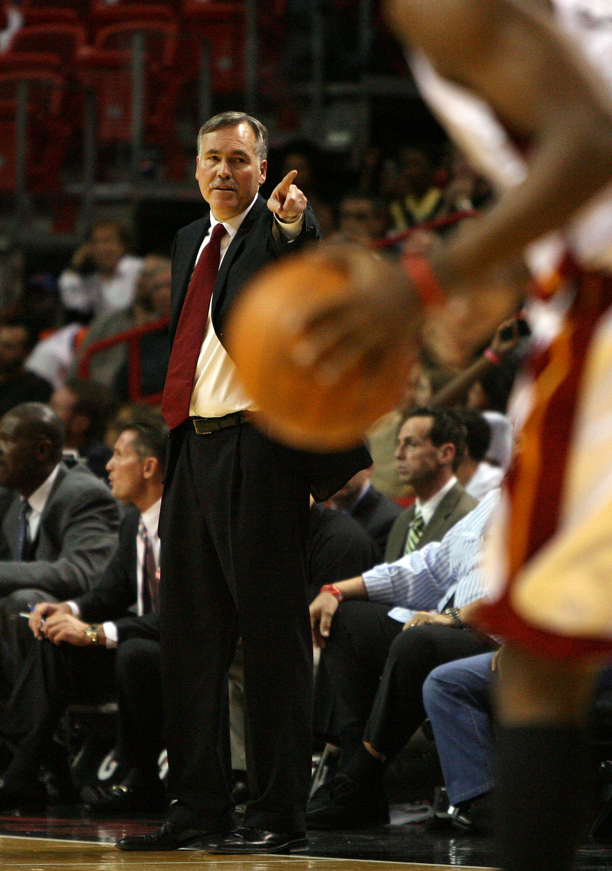 MIAMI - OCTOBER 28:  Head coach Mike D'Antoni of the New York Knicks directs his team against the Miami Heat at AmericanAirlines Arena on October 28, 2009 in Miami, Florida. The Heat defeated the Knicks 115-93. NOTE TO USER: User expressly acknowledges an