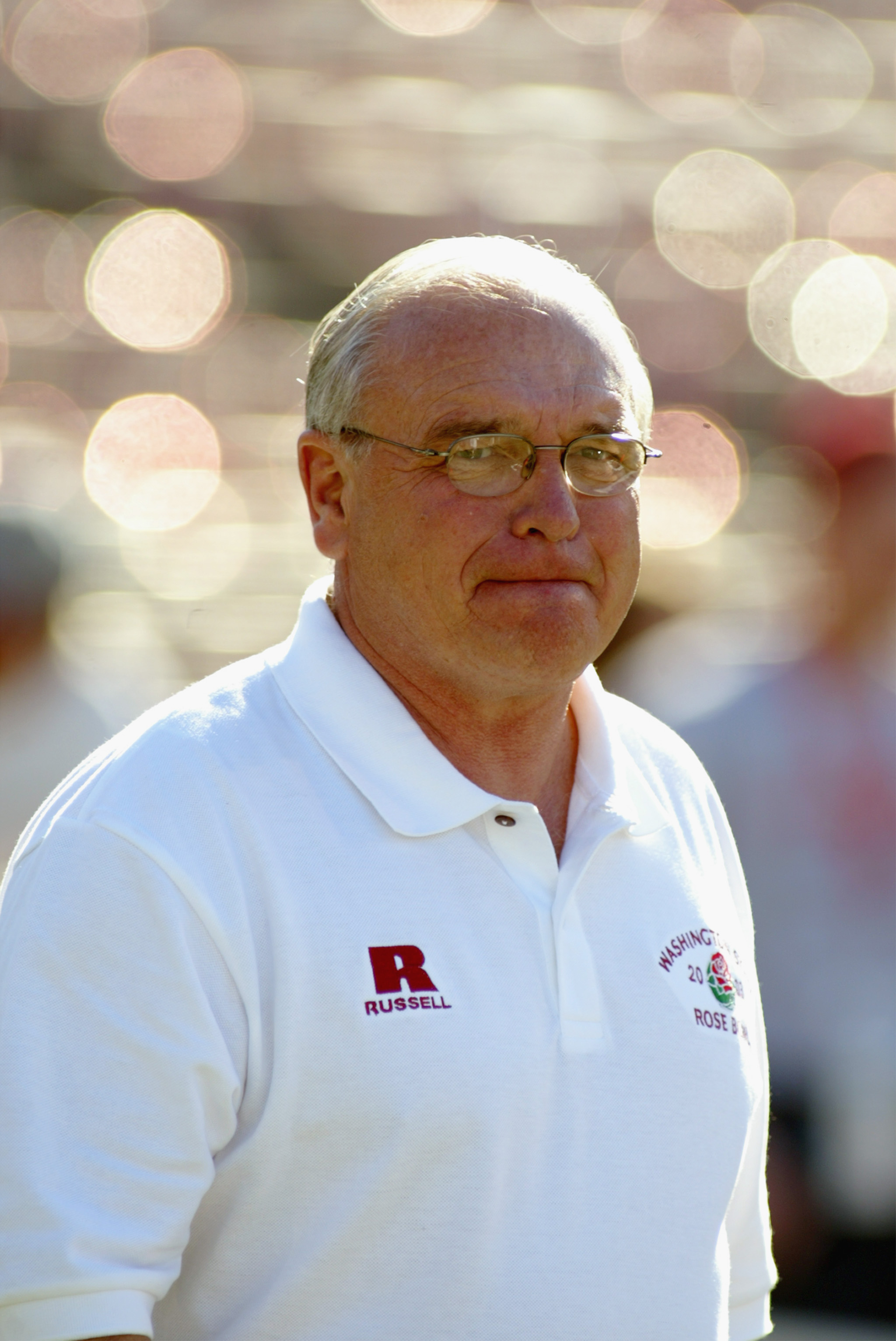 PASADENA, CA - JANUARY 1:  Head coach Mike Price of the Washington State University Cougars during team warmups prior to the 89th Rose Bowl against the University of Oklahoma Sooners on January 1, 2003 at the Rose Bowl in Pasadena, California.  Price move