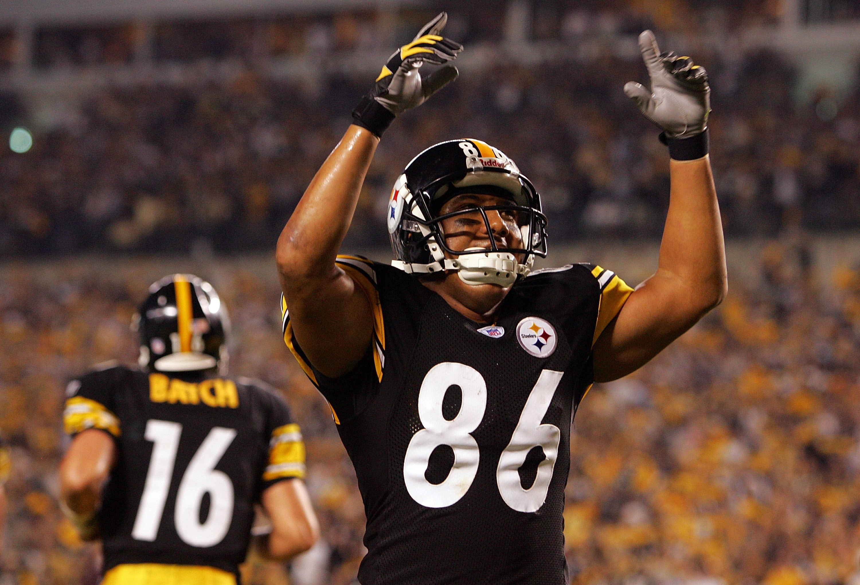 PITTSBURGH - SEPTEMBER 07: Hines Ward #86 of the Pittsburgh Steelers celebrates a touchdown pass from Charlie Batch #16 against the Miami Dolphins during the first game of the NFL season on September 7, 2006 at Heinz Field in Pittsburgh, Pennsylvania.  (P