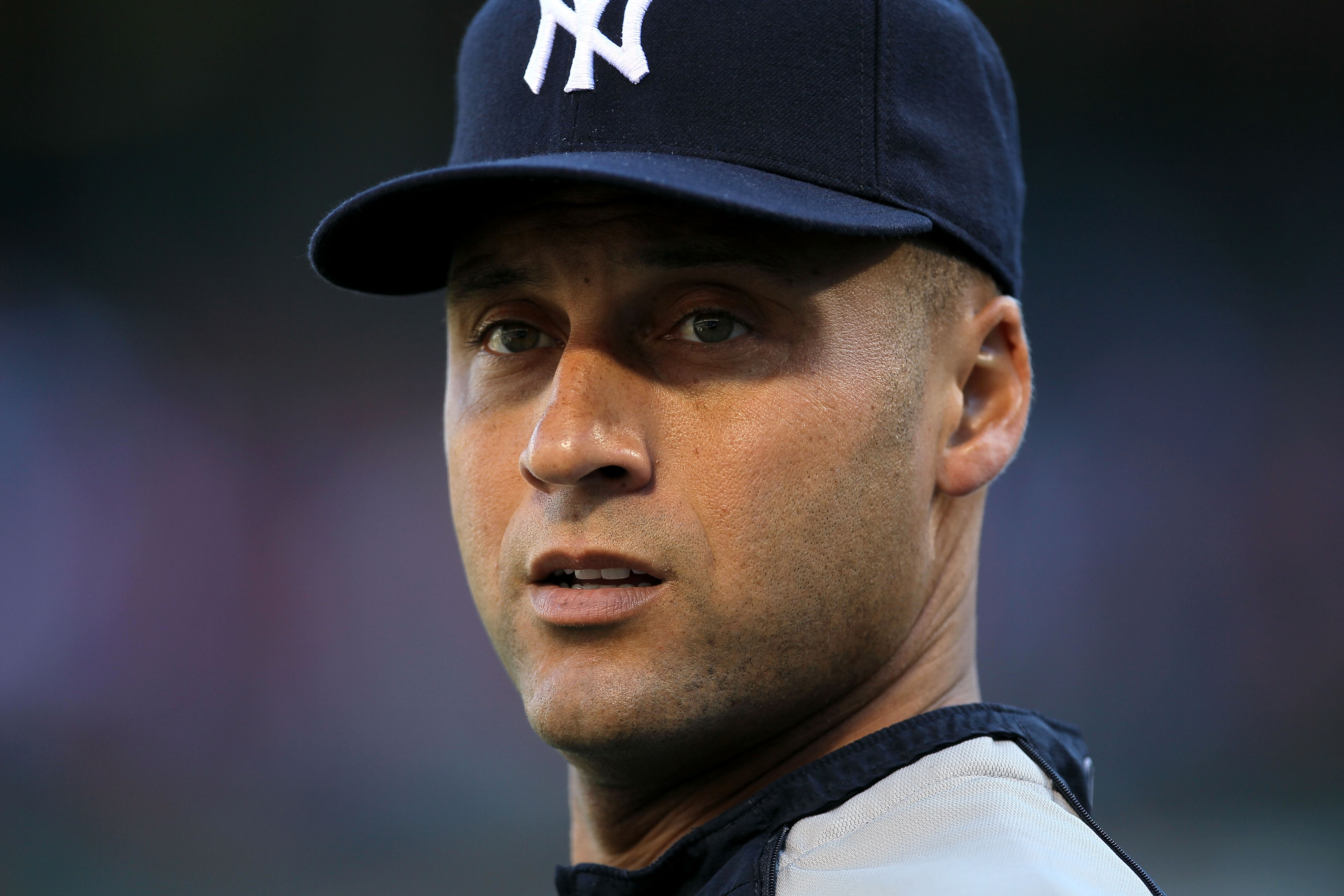 Will he or won't he? Jeter talks continue.