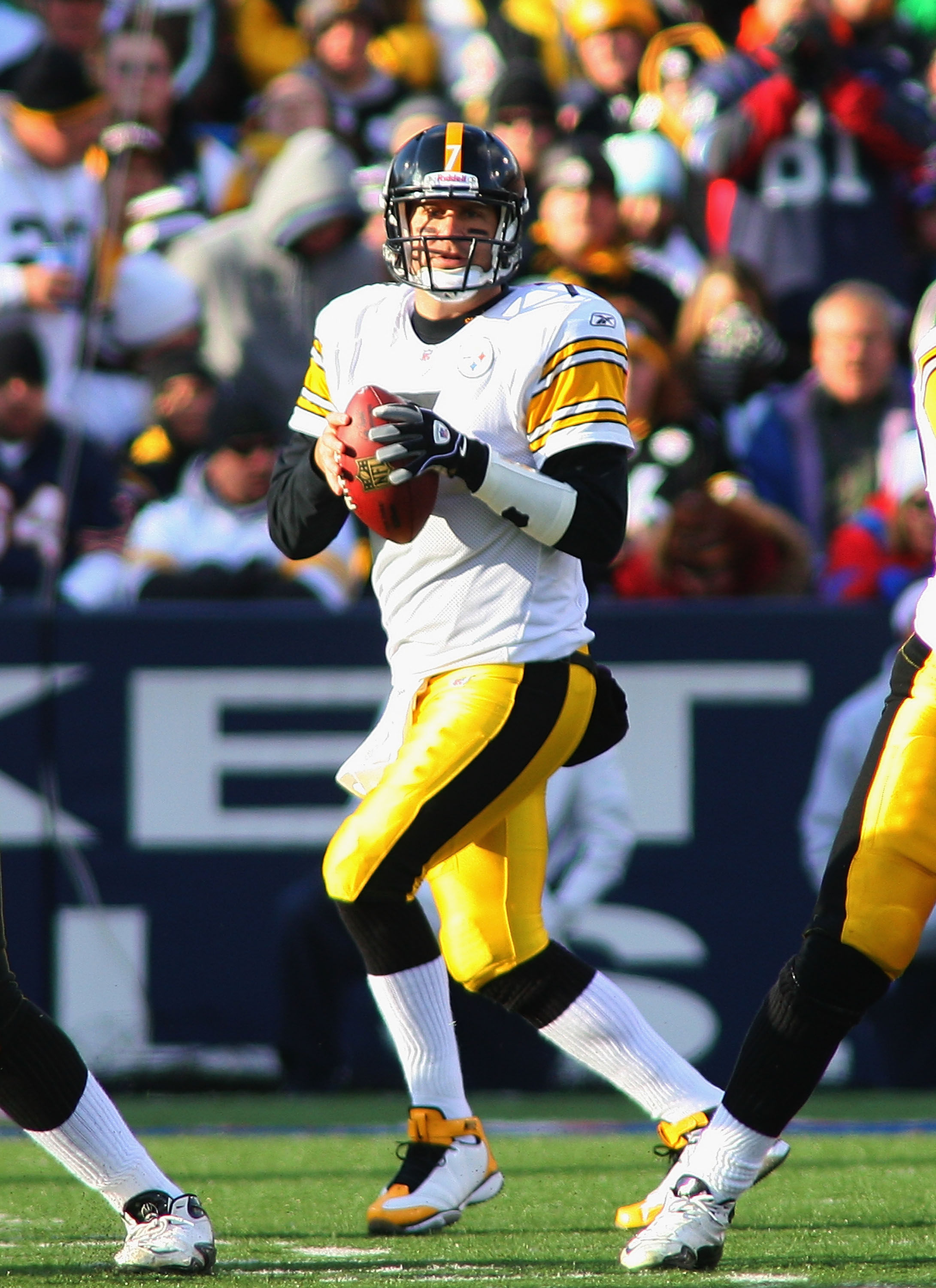 ORCHARD PARK, NY - NOVEMBER 28:  Ben Roethlisberger #7 of the Pittsburgh Steelers looks to throw against the Buffalo Bills  at Ralph Wilson Stadium on November 28, 2010 in Orchard Park, New York. Pittsburgh won 19-16 in overtime.  (Photo by Rick Stewart/G
