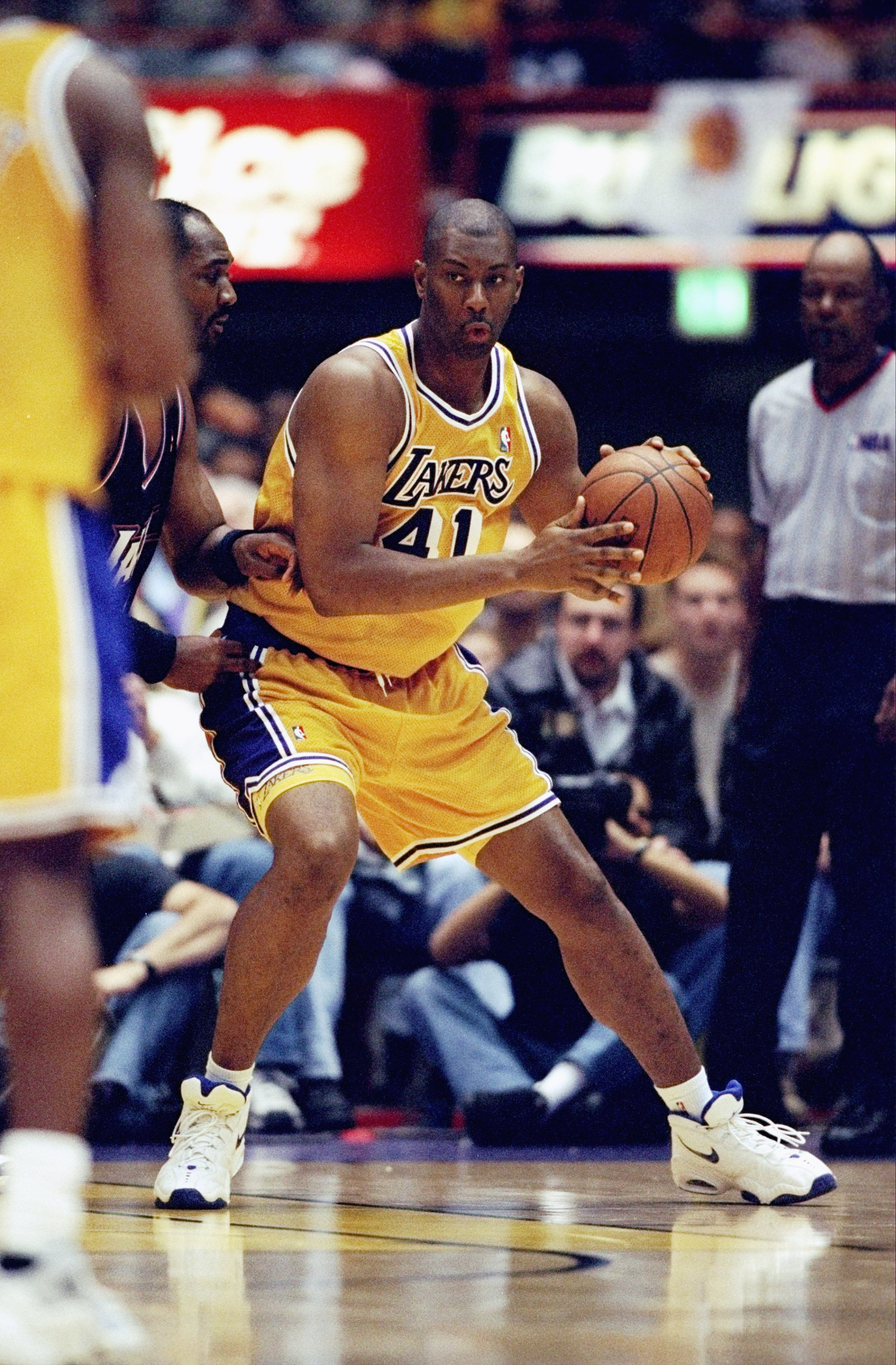 7 Feb 1999:  Elden Campbell #41 of the Los Angeles Lakers dribbles during the game against the Utah Jazz at the Great Western Forum in Inglewood, California. The Jazz defeated the Lakers 100-91Mandatory Credit: Todd Warshaw  /Allsport