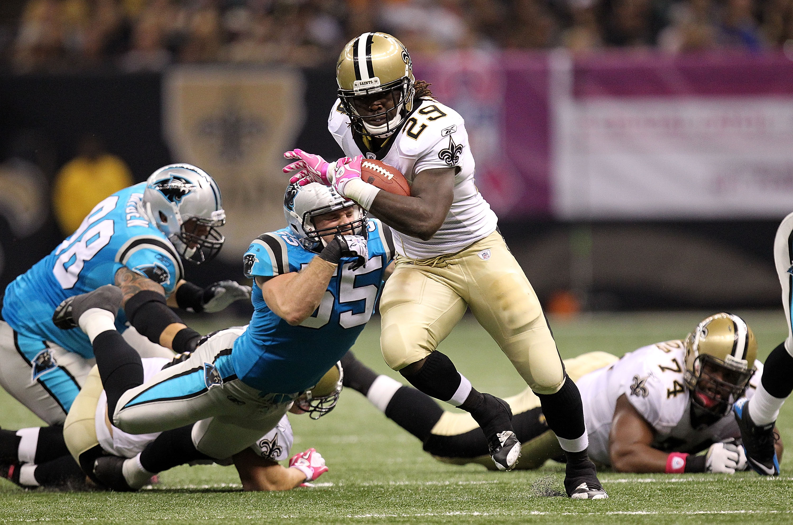 NEW ORLEANS - OCTOBER 03:  Running back Chris Ivory #29 of the New Orleans Saints at the Louisiana Superdome on October 3, 2010 in New Orleans, Louisiana.  (Photo by Ronald Martinez/Getty Images)
