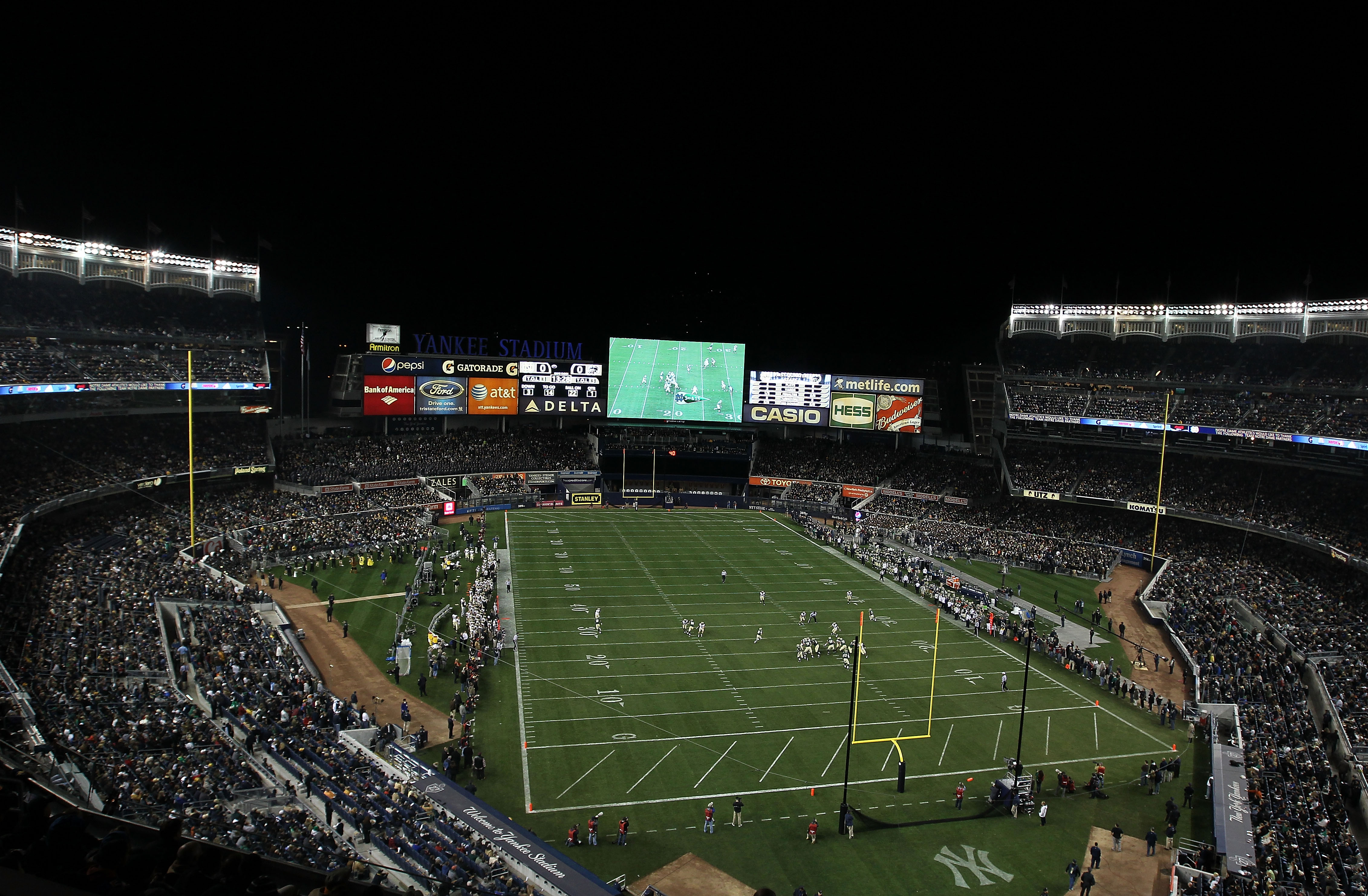 NEW YORK - NOVEMBER 20:  A general view during the game between the Notre Dame Fighting Irish and the Army Black Knights at Yankee Stadium on November 20, 2010 in the Bronx borough of New York City.  (Photo by Nick Laham/Getty Images)