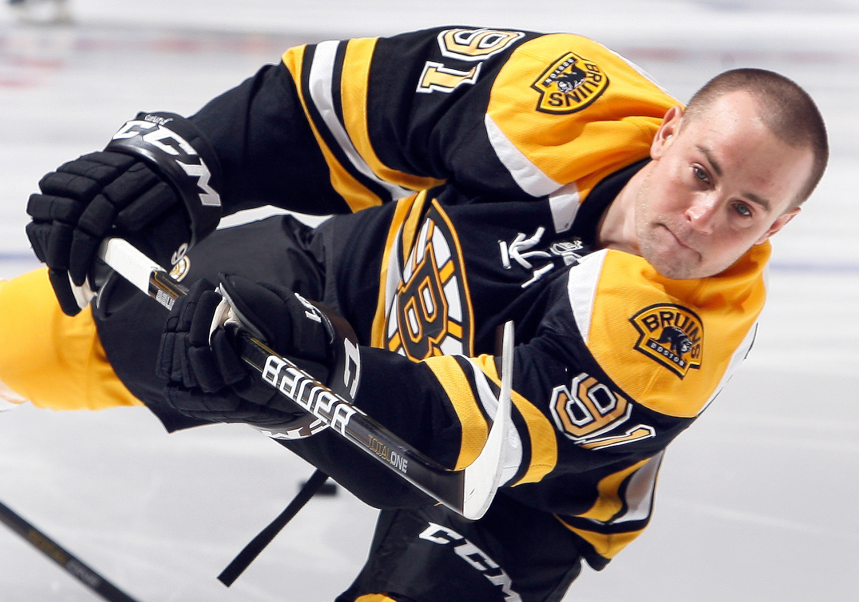 TORONTO, CANADA - DECEMBER 4: Marc Savard #91 of the Boston Bruins shoots before game action against the Toronto Maple Leafs at the Air Canada Centre December 4, 2010 in Toronto, Ontario, Canada. (Photo by Abelimages / Getty Images)