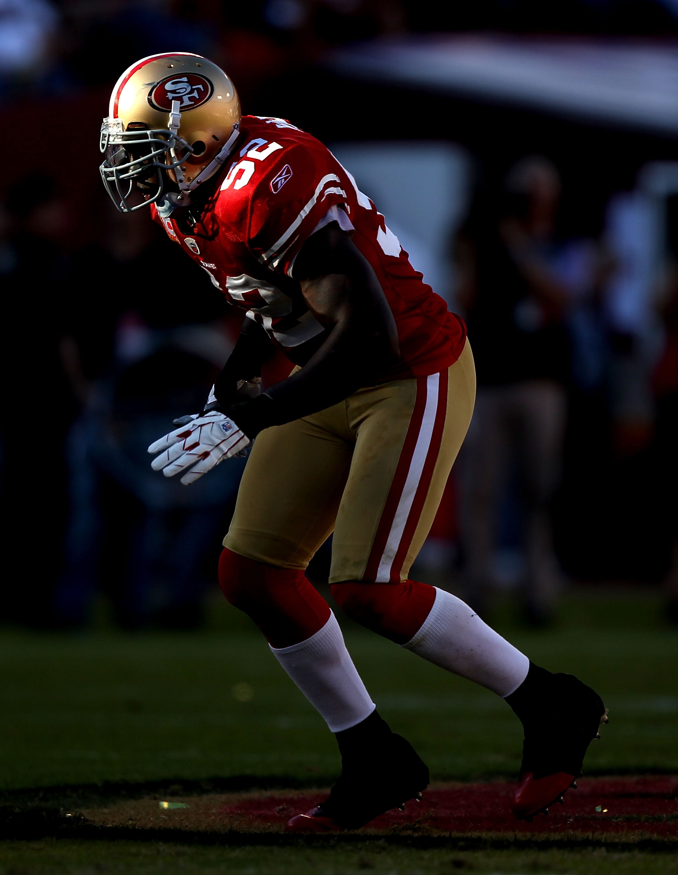 SAN FRANCISCO - NOVEMBER 14:  Patrick Willis #52 of the San Francisco 49ers in action against the St. Louis Rams during an NFL game at Candlestick Park on November 14, 2010 in San Francisco, California.(Photo by Jed Jacobsohn/Getty Images)