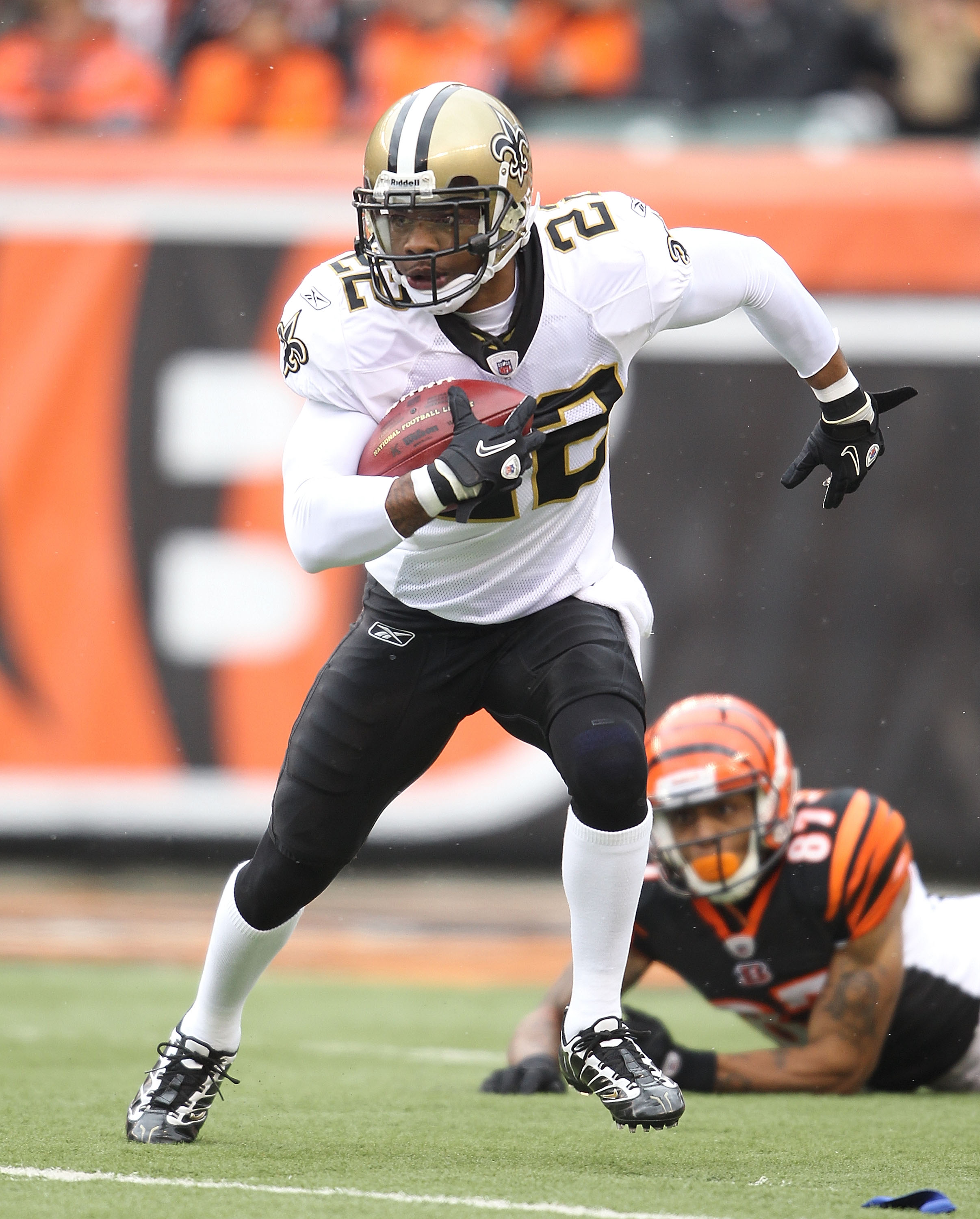 CINCINNATI, OH - DECEMBER 05:  Tracy Porter #22 of the New Orleans Saints runs with the ball during the NFL game against the Cincinnati Bengals at Paul Brown Stadium on December 5, 2010 in Cincinnati, Ohio.  The Saints won 34-30.  (Photo by Andy Lyons/Get