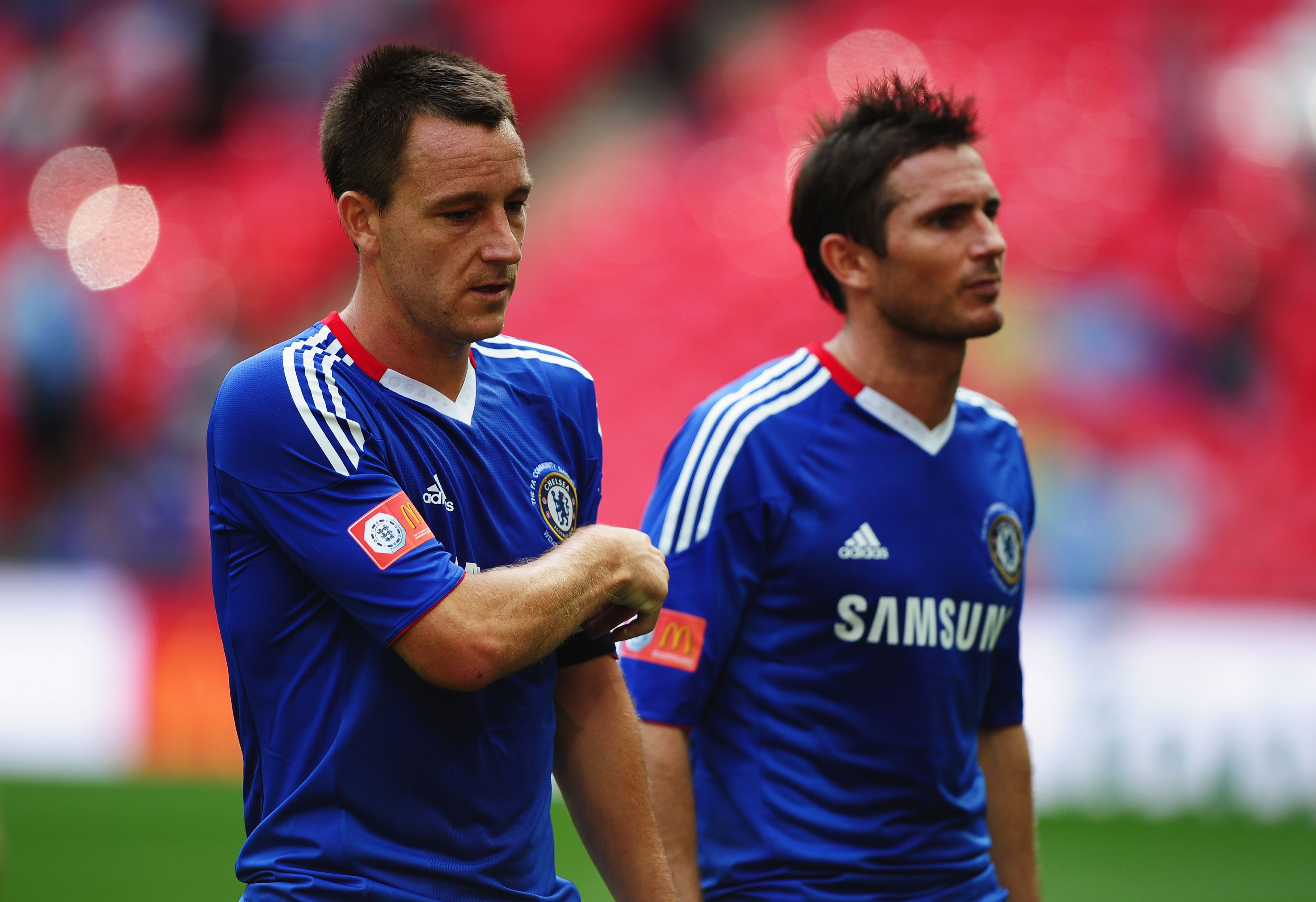 LONDON, ENGLAND - AUGUST 08:  John Terry and Frank Lampard of Chelsea look dejected after the FA Community Shield match between Chelsea and Manchester United at Wembley Stadium on August 8, 2010 in London, England.  (Photo by Laurence Griffiths/Getty Imag