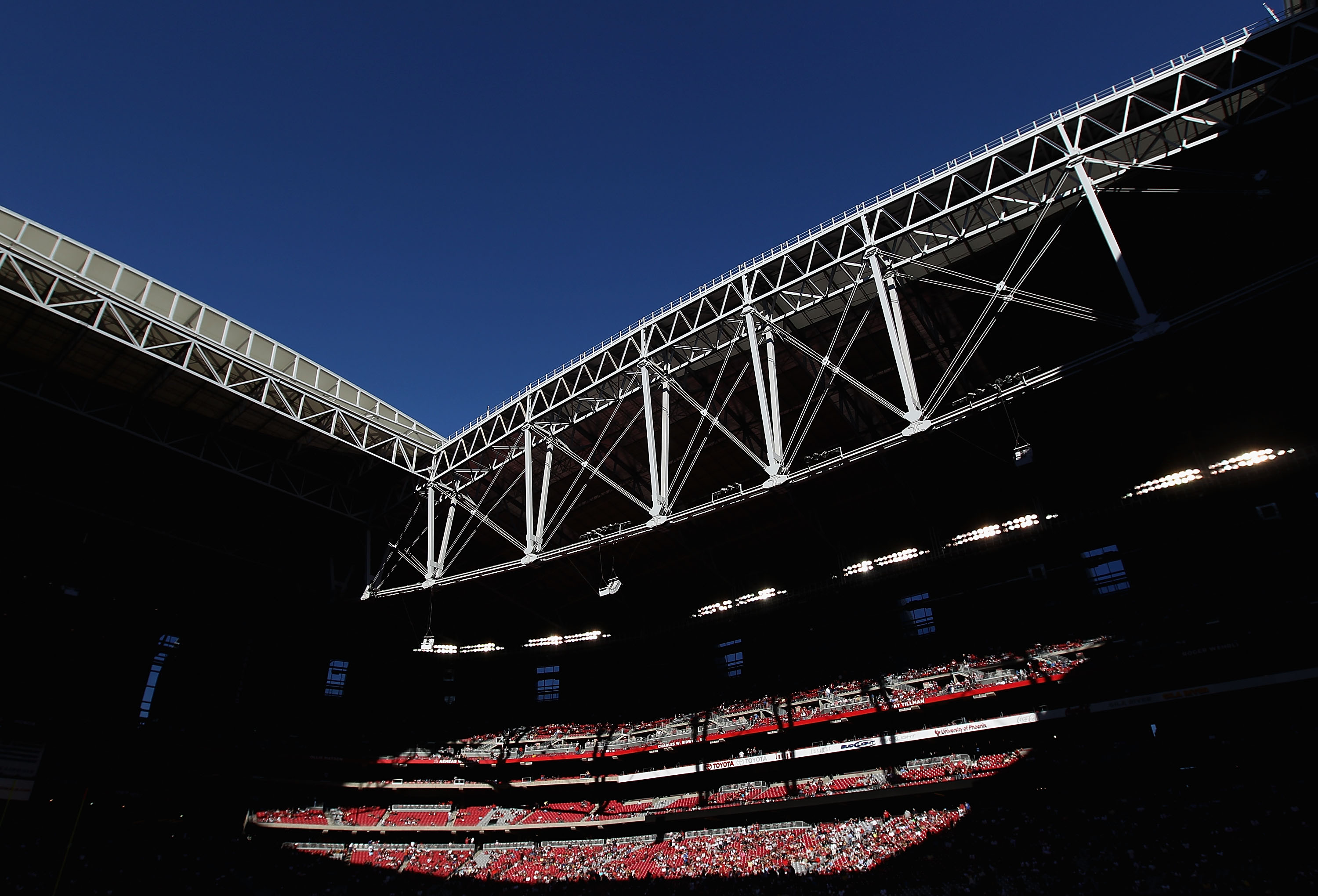 GLENDALE, AZ - DECEMBER 05:  General view of the open roof during the NFL game between the St. Louis Rams and the Arizona Cardinals at the University of Phoenix Stadium on December 5, 2010 in Glendale, Arizona. The Rams defeated the Cardinals 19-6.  (Phot