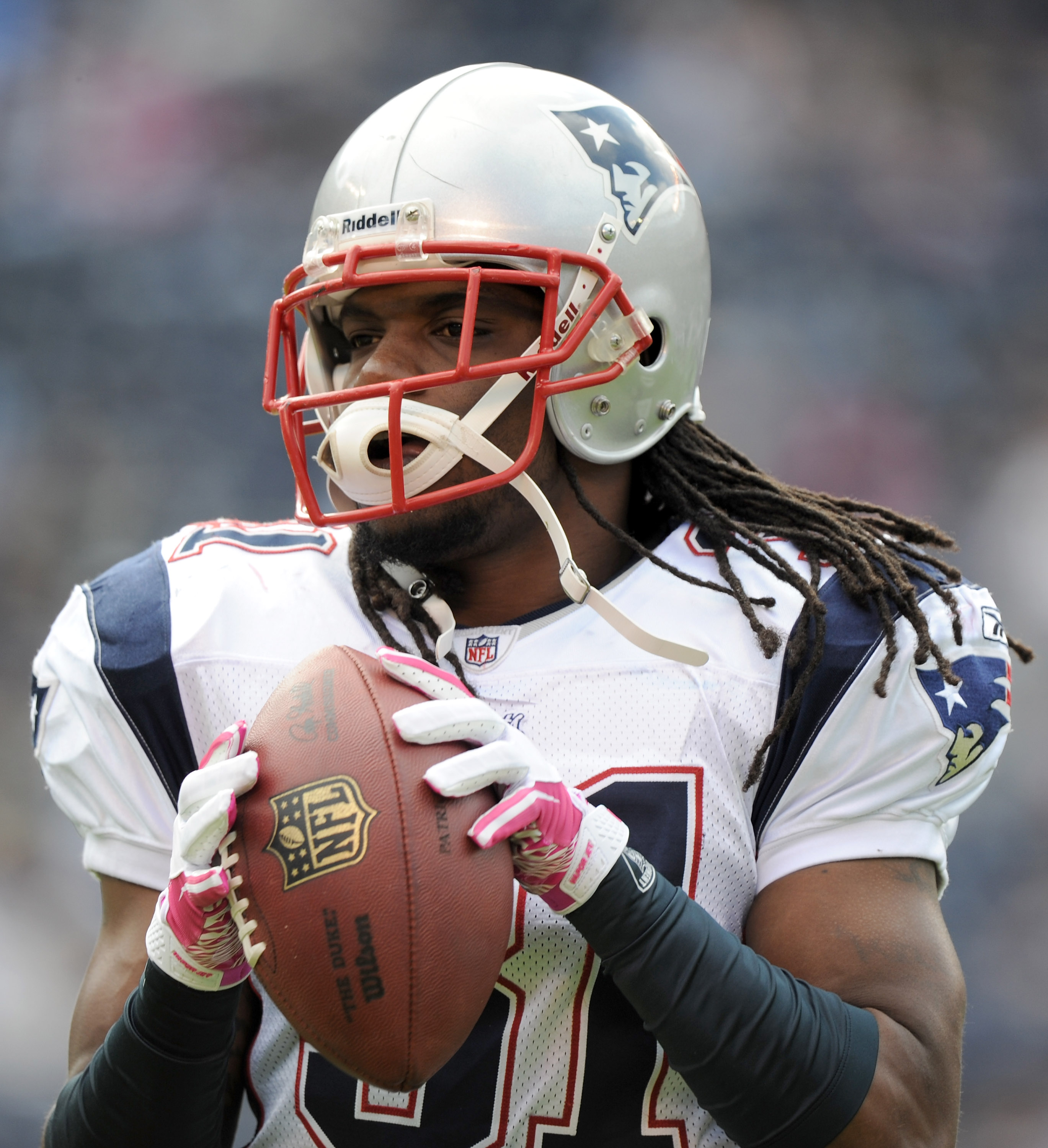 SAN DIEGO - OCTOBER 24:  Brandon Meriweather #31 of the New England Patriots warms up against the San Diego Chargers at Qualcomm Stadium on October 24, 2010 in San Diego, California.  (Photo by Harry How/Getty Images)