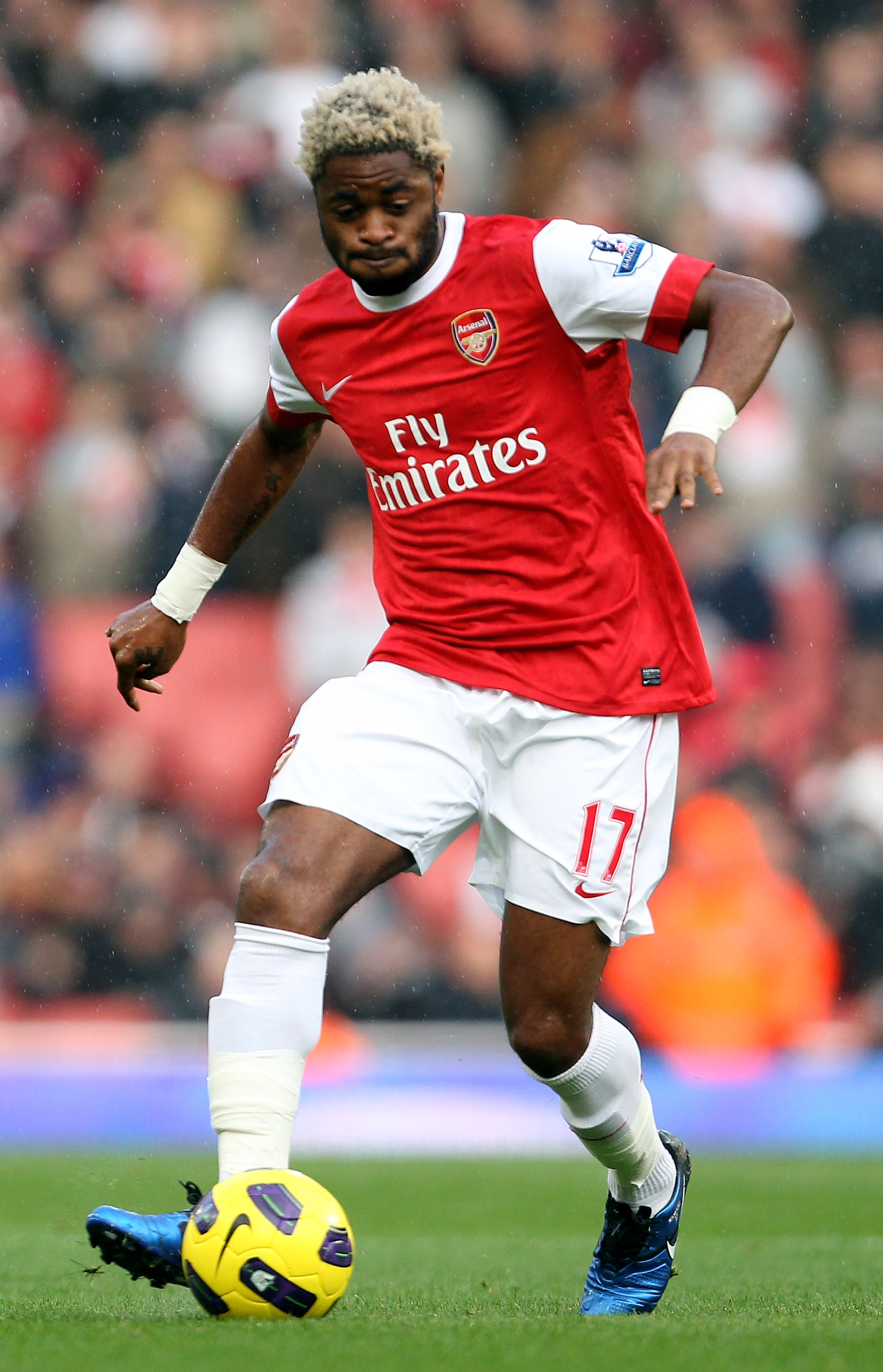 LONDON, ENGLAND - OCTOBER 30:  Alex Song of Arsenal in action during the Barclays Premier League match between Arsenal and West Ham United at Emirates Stadium on October 30, 2010 in London, England.  (Photo by Clive Rose/Getty Images)