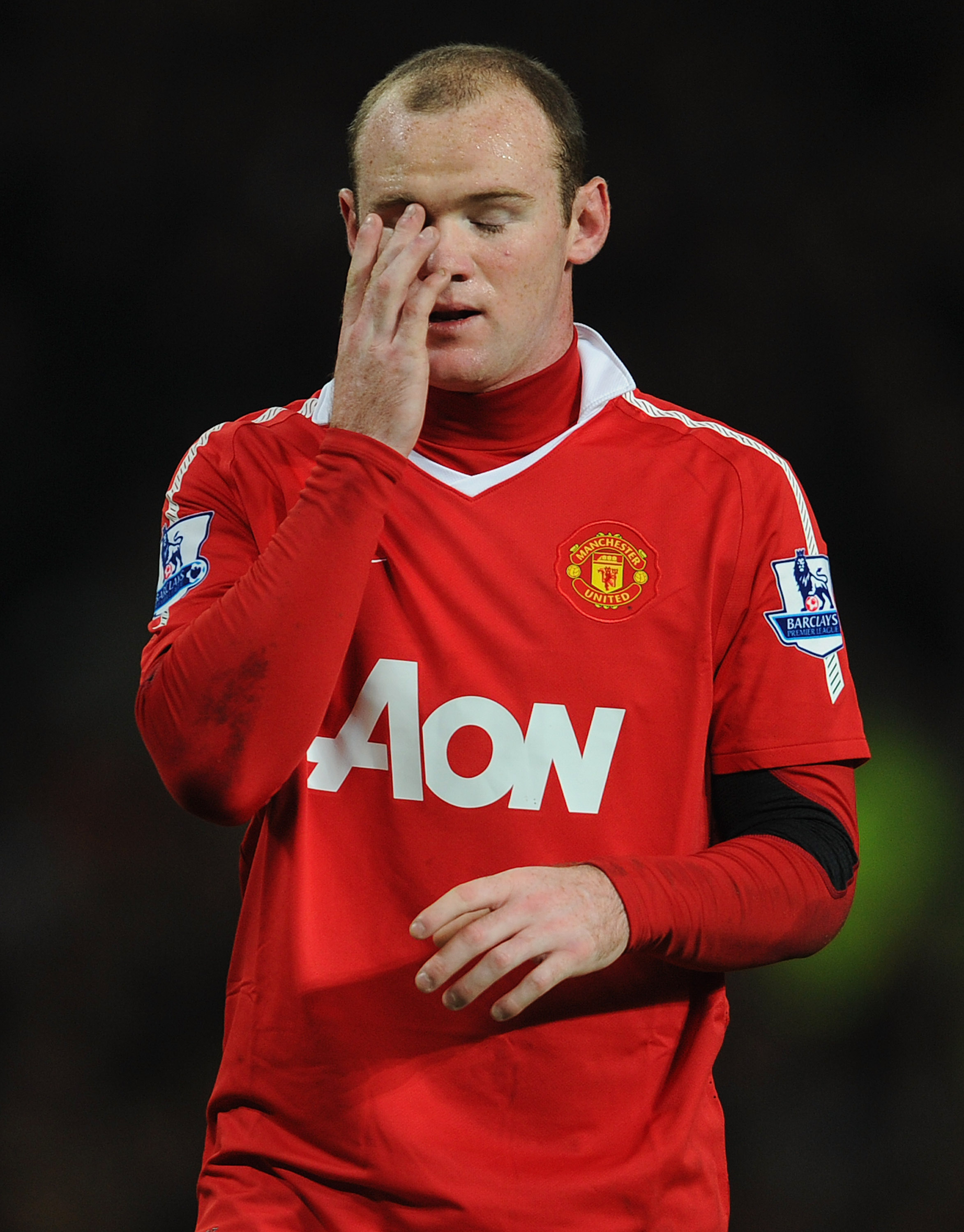 MANCHESTER, ENGLAND - NOVEMBER 20:  Wayne Rooney of Manchester United on during the Barclays Premier League match between Manchester United and Wigan Athletic at Old Trafford on November 20, 2010 in Manchester, England.  (Photo by Michael Regan/Getty Imag