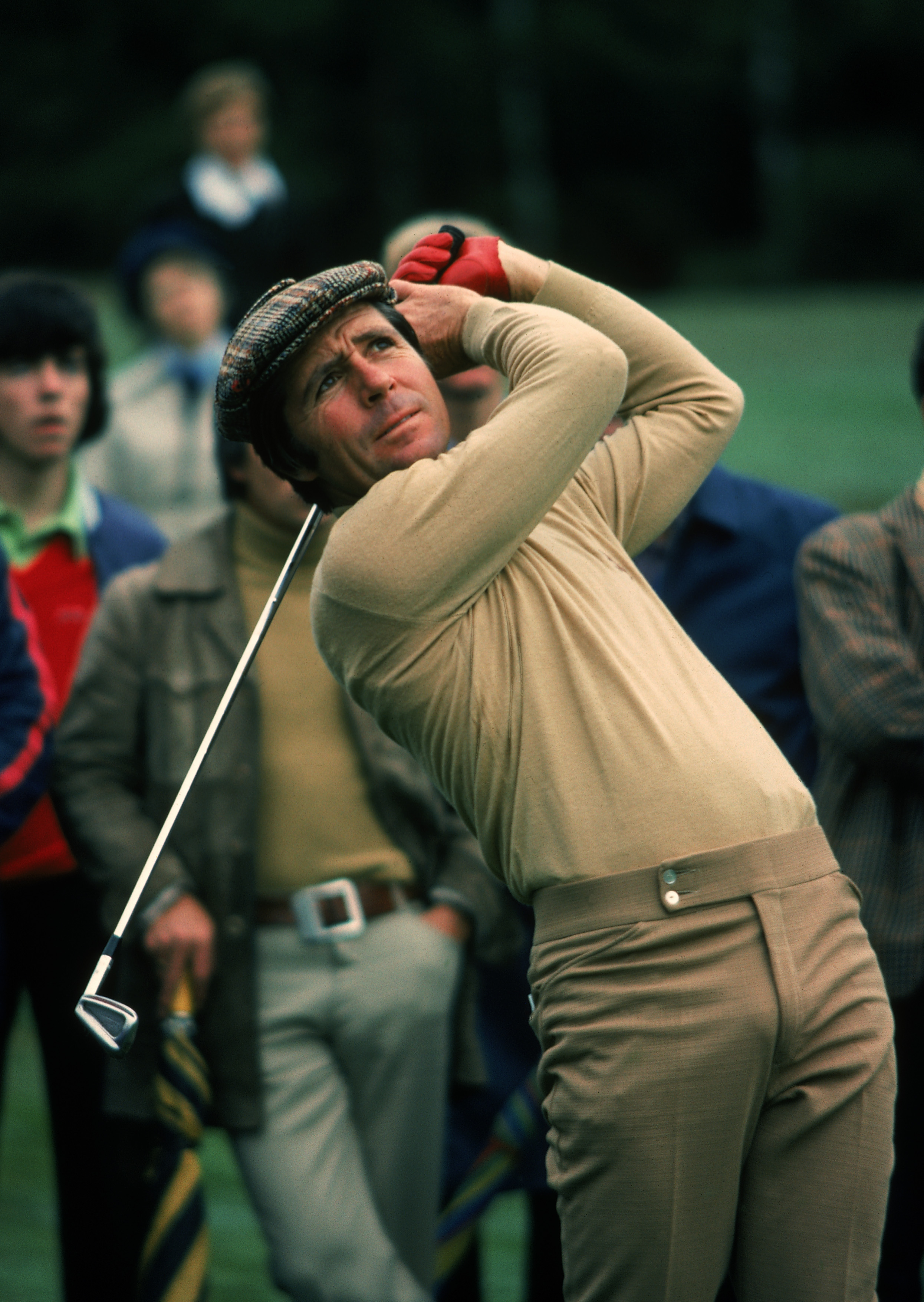 WENTWORTH - 1976:  Gary Player of South Africa in action in during the Piccadilly World Match Play at Wentworth Golf Club in Surrey, England in 1976. (photo by Don Morley/Getty Images)