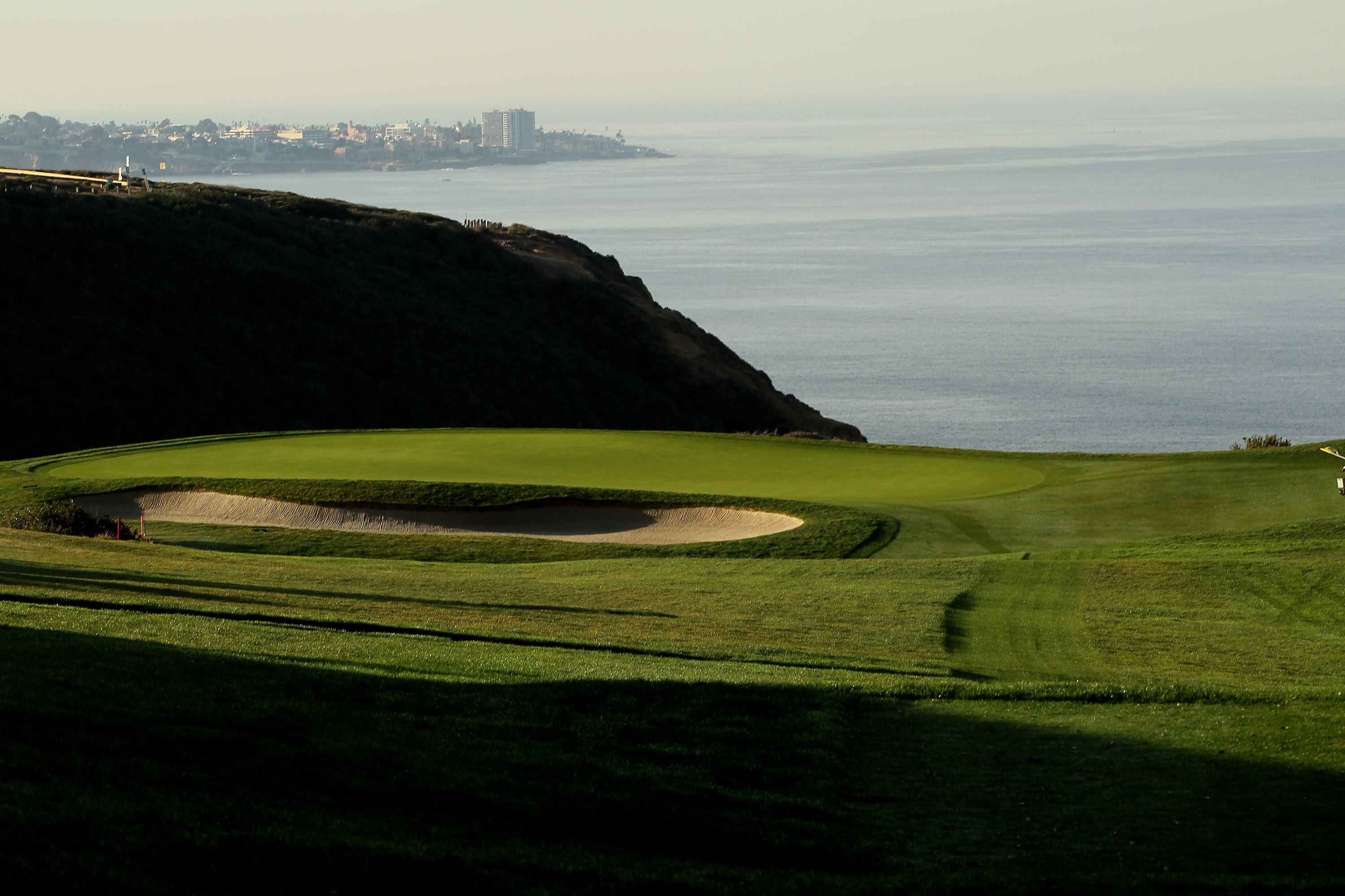 LA JOLLA, CA - JANUARY 30:  The third hole on the South Course at Torrey Pines Golf Course during the third round of the Farmers Insurance Open on January 30, 2010 in La Jolla, California. (Photo by Stephen Dunn/Getty Images)