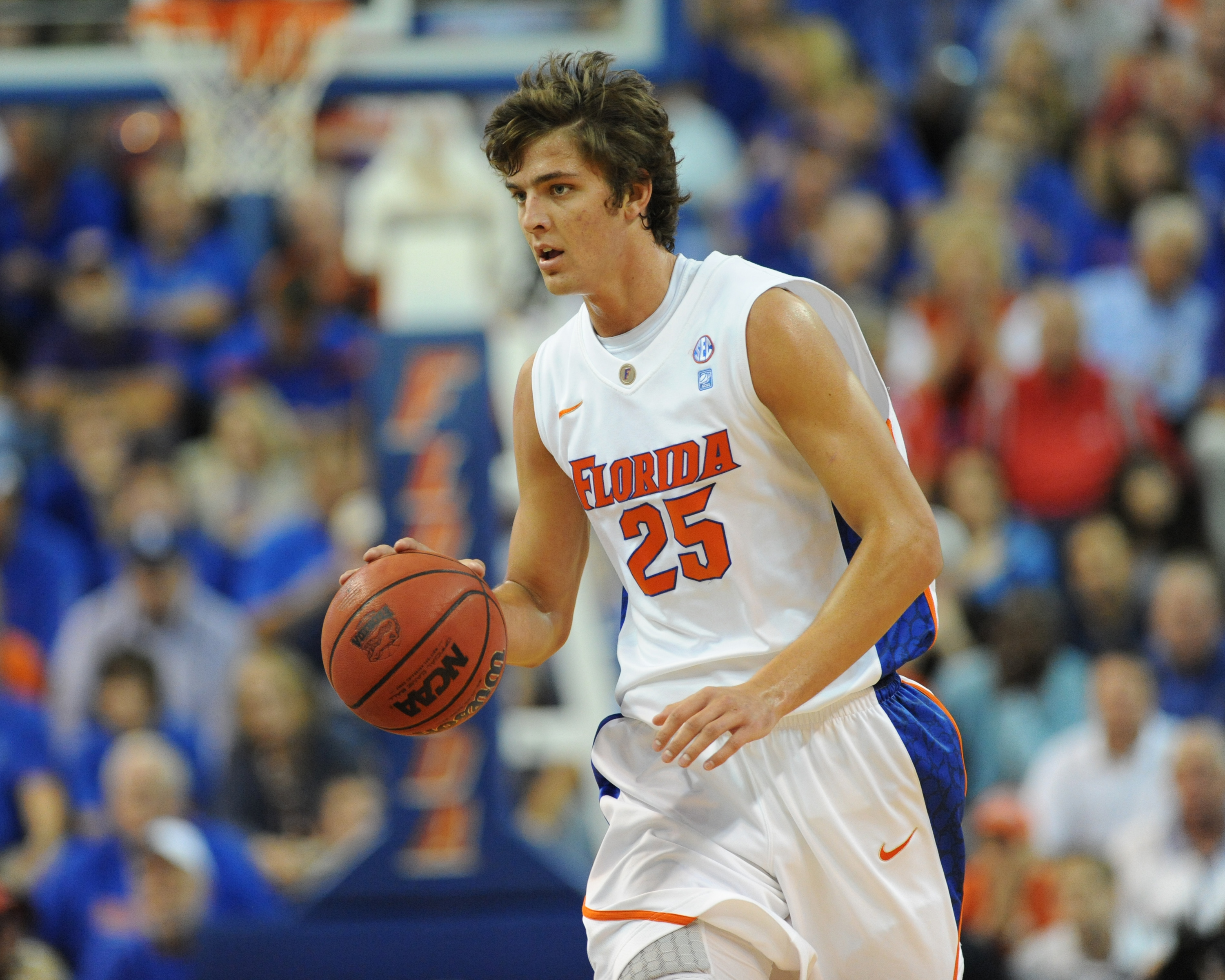 GAINESVILLE, FL - NOVEMBER 16: Forward Chandler Parsons #25  of the Florida Gators drives against the Ohio State Buckeyes November 16, 2010 at the Stephen C. O'Connell Center in Gainesville, Florida.  (Photo by Al Messerschmidt/Getty Images)