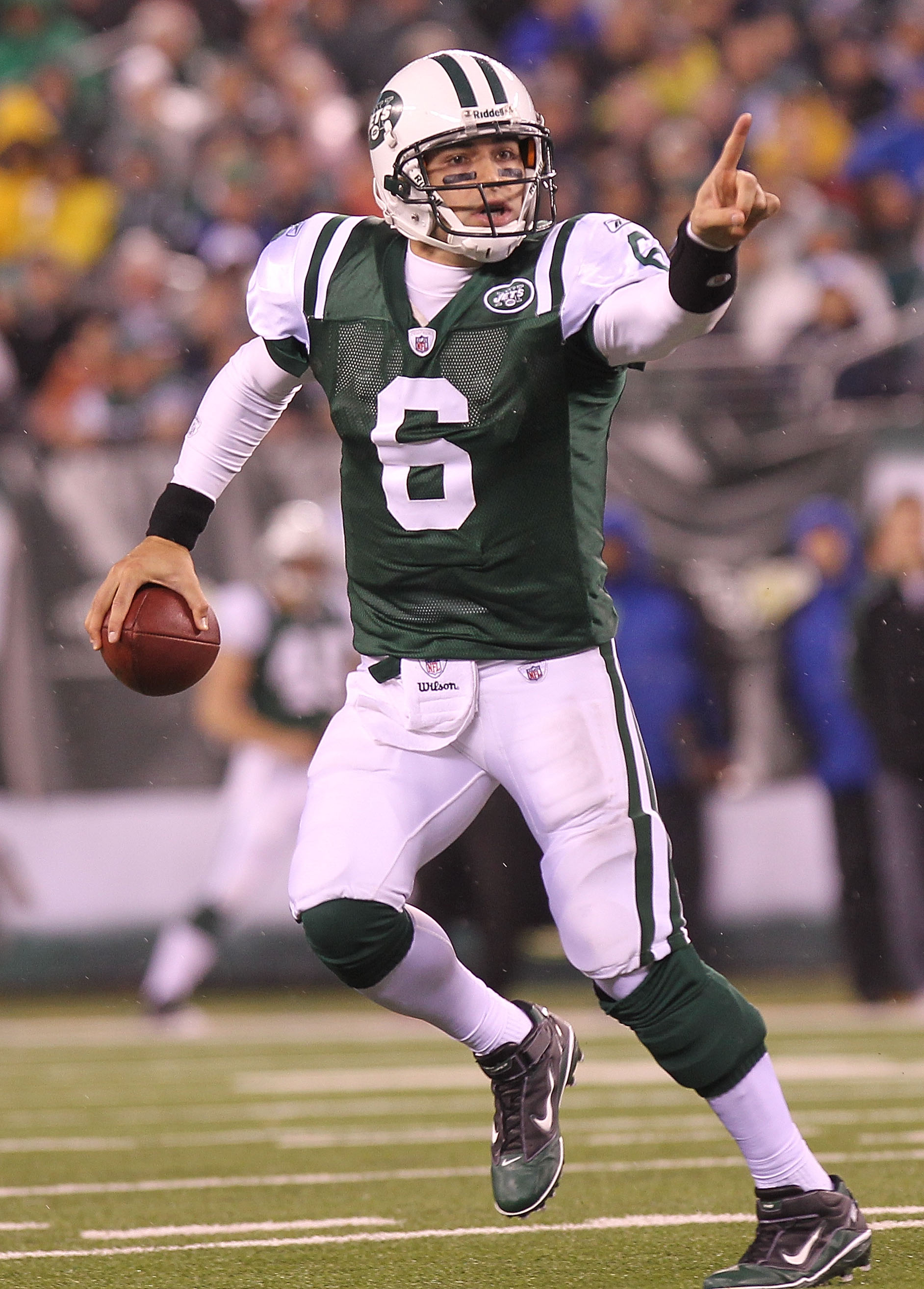 EAST RUTHERFORD, NJ - DECEMBER 12:  Mark Sanchez #6 of the New York Jets looks to pass against the Miami Dolphins at New Meadowlands Stadium on December 12, 2010 in East Rutherford, New Jersey.  (Photo by Nick Laham/Getty Images)