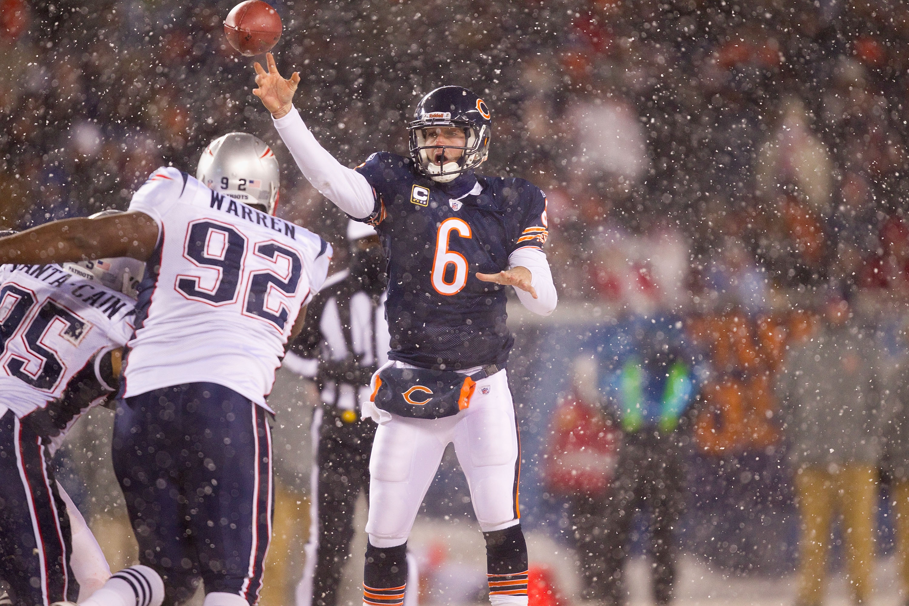 CHICAGO, IL - DECEMBER 12: Jay Cutler #6 of the Chicago Bears looks to pass against the New England Patriots at Soldier Field on December 12, 2010 in Chicago, Illinois.  The Patriots beat the Bears 36-7.  (Photo by Dilip Vishwanat/Getty Images)