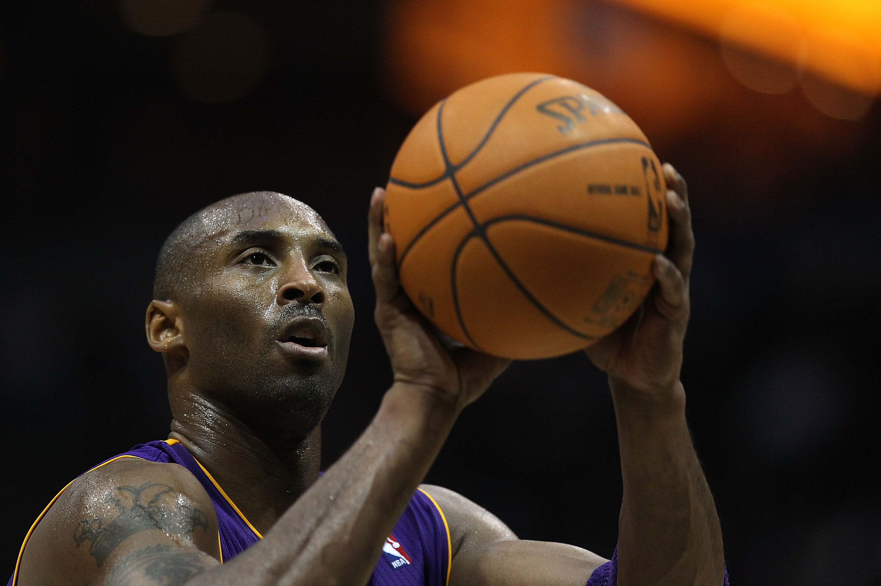 MILWAUKEE - NOVEMBER 16: Kobe Bryant #24 of the Los Angeles Lakers shoots a free-throw against the Milwaukee Bucks at the Bradley Center on November 16, 2010 in Milwaukee, Wisconsin. The Lakers defeated the Bucks 118-107. NOTE TO USER: User expressly ackn