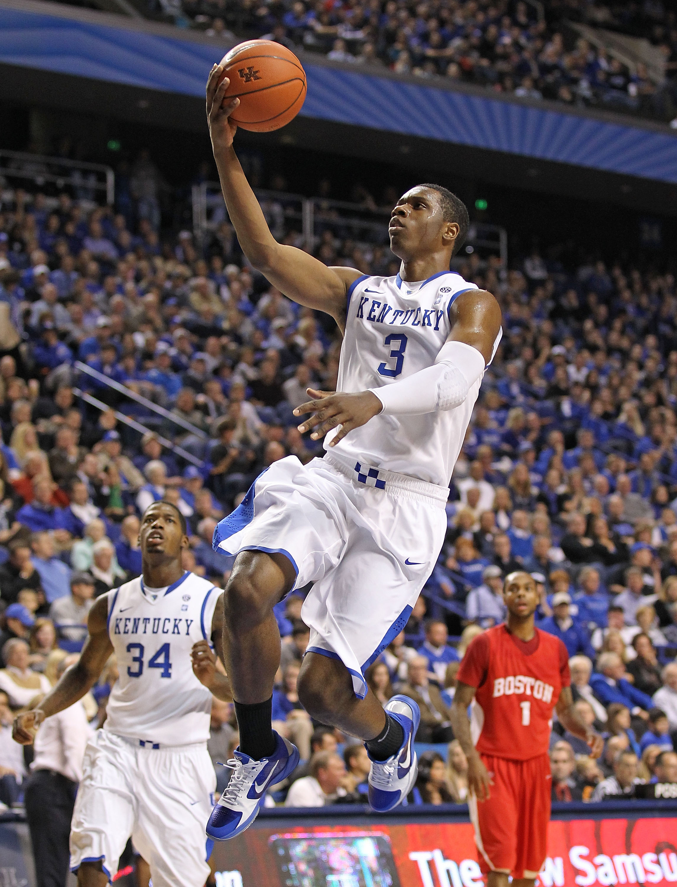 LEXINGTON, KY - NOVEMBER 30:  Terrence Jones #3 of the Kentucky Wildcats shoots the ball during the game against the Boston University Terriers on November 30, 2010 in Lexington, Kentucky.  (Photo by Andy Lyons/Getty Images)