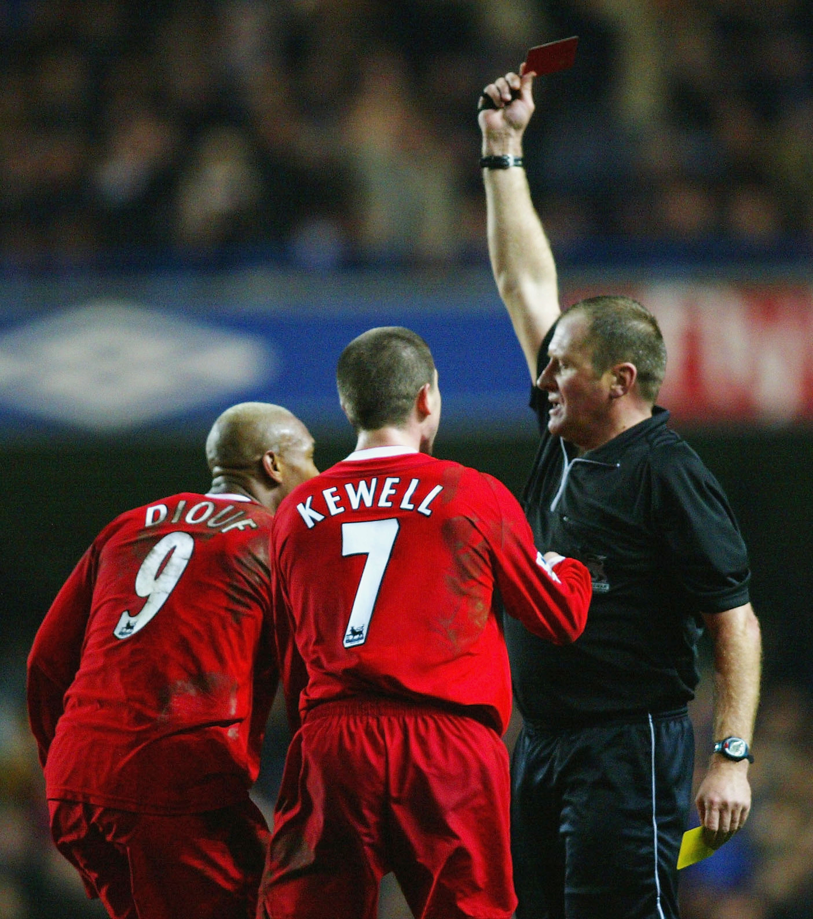 LONDON - JANUARY 7:  El Hadji Diouf of Liverpool appeals with the referee as he is sent off during the FA Barclaycard Premiership match between Chelsea and Liverpool at Stamford Bridge on January 7, 2004 in London.  (Photo by Ben Radford/Getty Images)
