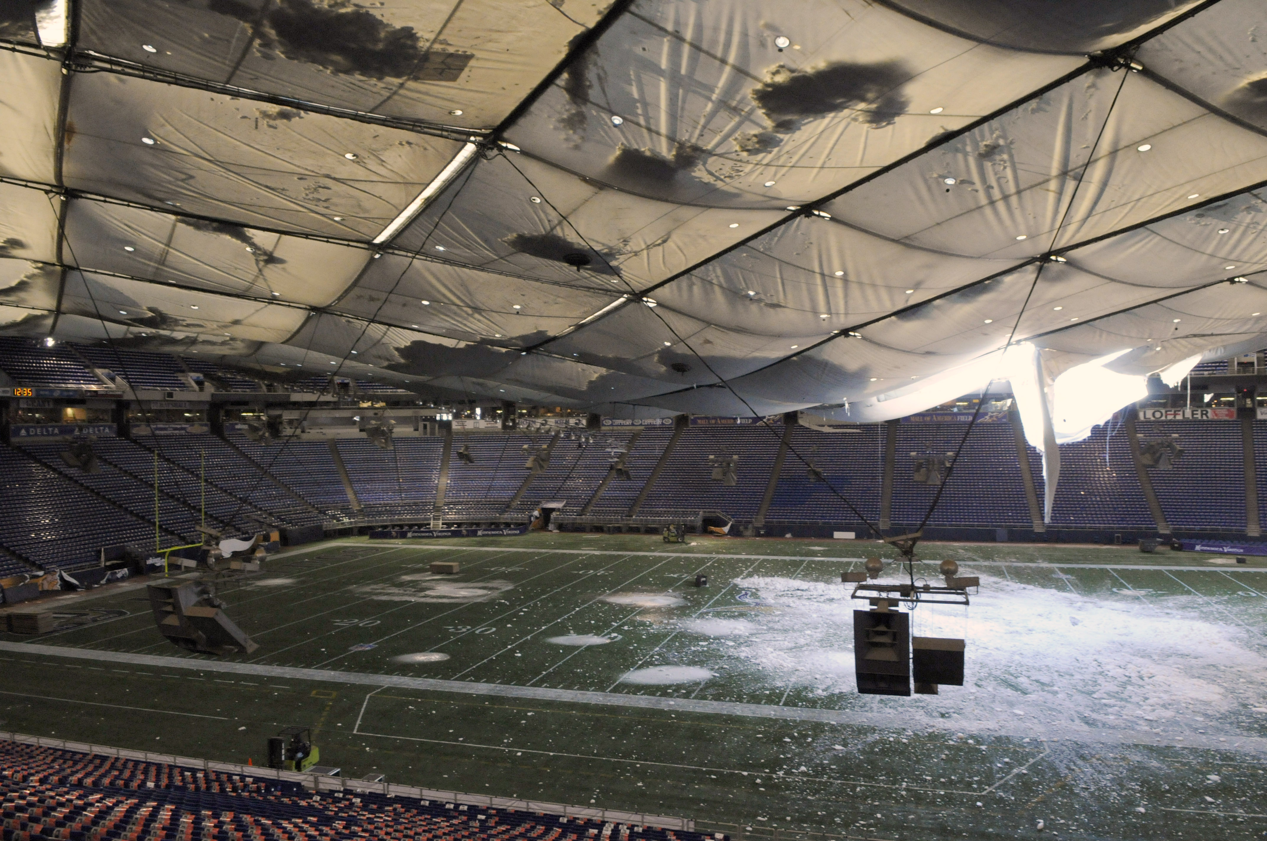 Metrodome Collapse And 10 Other Nfl Stadium Disasters Bleacher Report Latest News Videos And Highlights
