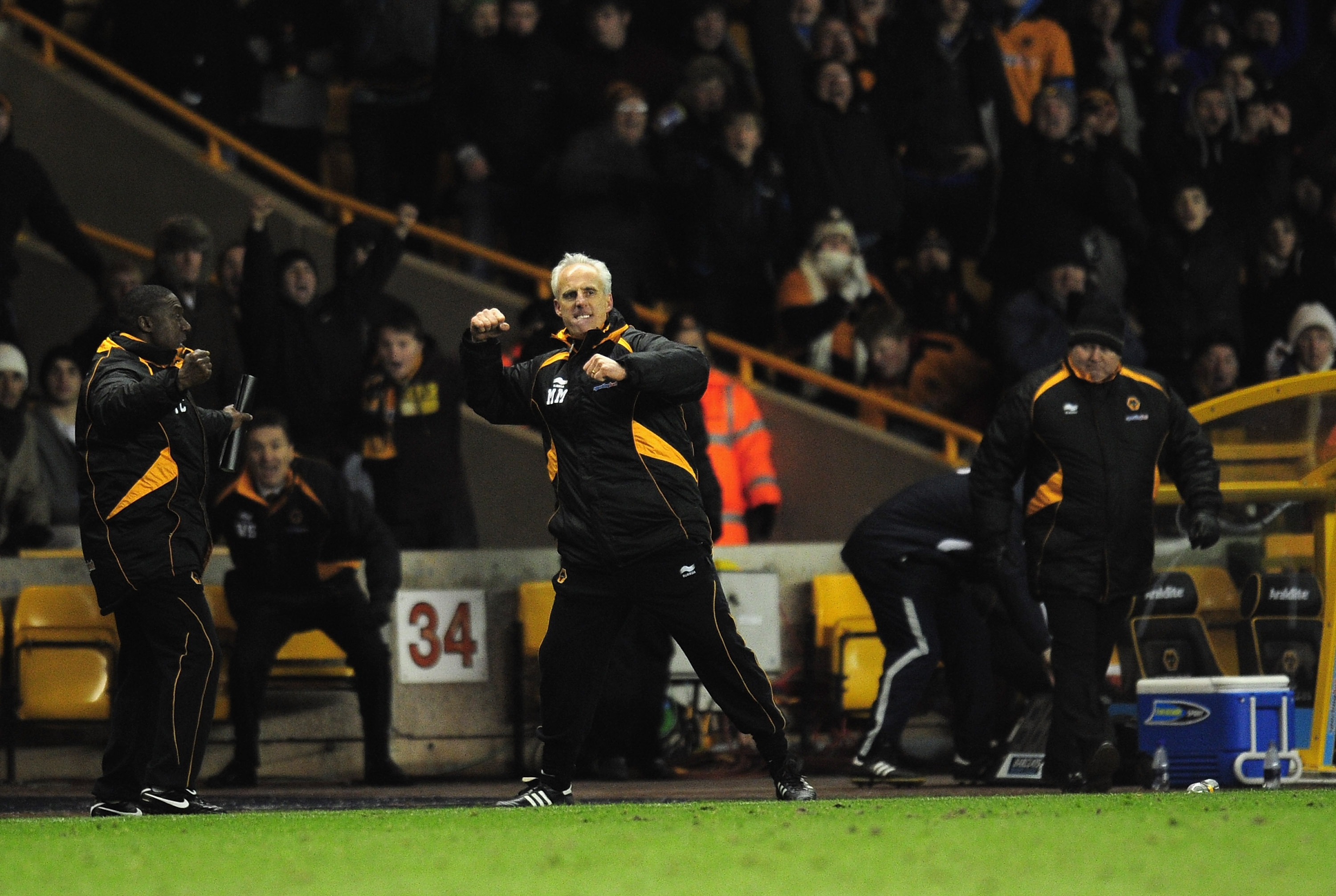WOLVERHAMPTON, ENGLAND - NOVEMBER 27:  Mick McCarthy the Wolverhampton Wanderers manager celebrates at the end of the Barclays Premier League match between Wolverhampton Wanderers and Sunderland at Molineux on November 27, 2010 in Wolverhampton, England.