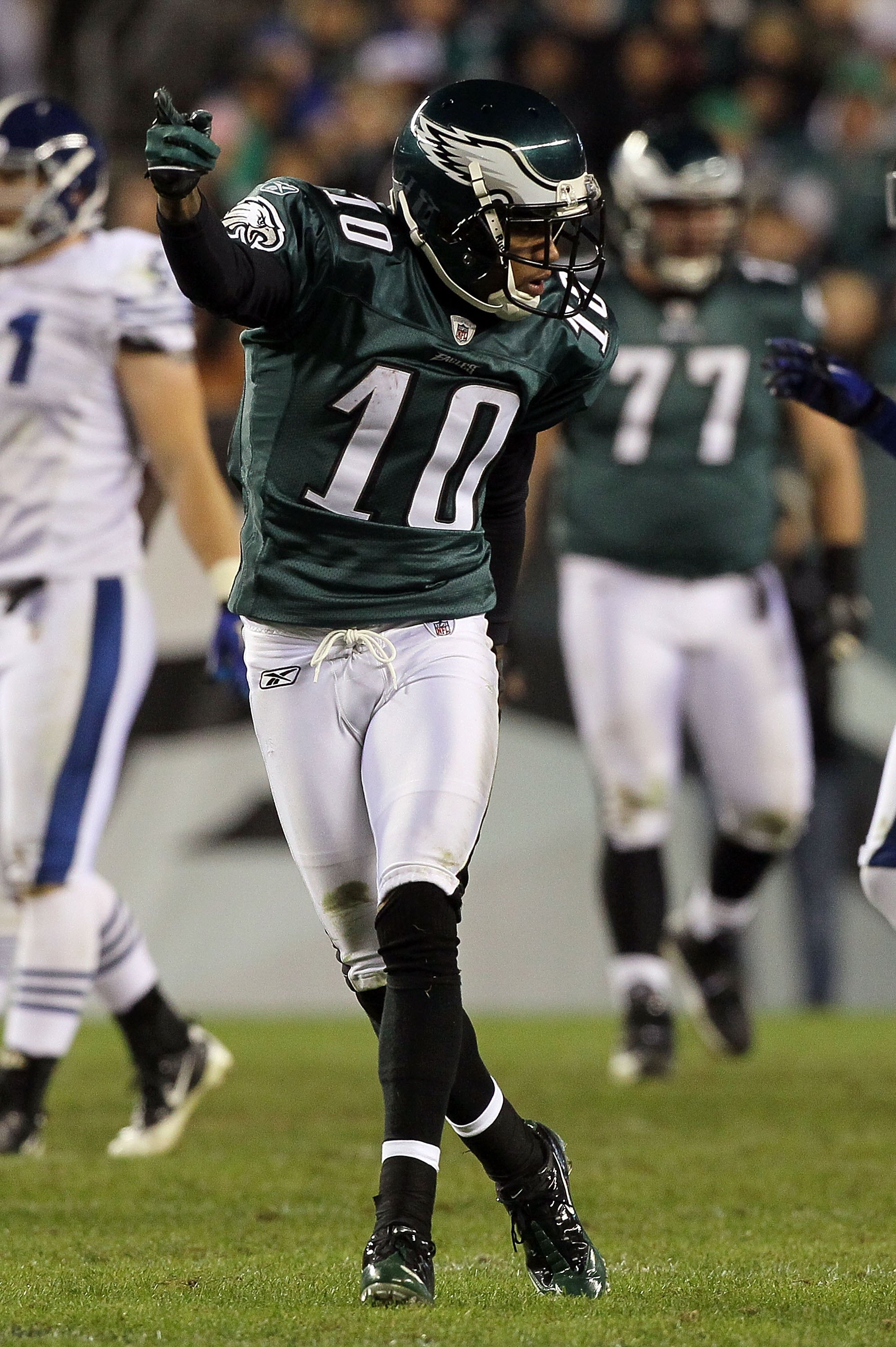PHILADELPHIA - NOVEMBER 07:  DeSean Jackson #10 of the Philadelphia Eagles against the Indianapolis Colts on November 7, 2010 at Lincoln Financial Field in Philadelphia, Pennsylvania. The Eagles defeated the Colts 26-24.  (Photo by Jim McIsaac/Getty Image