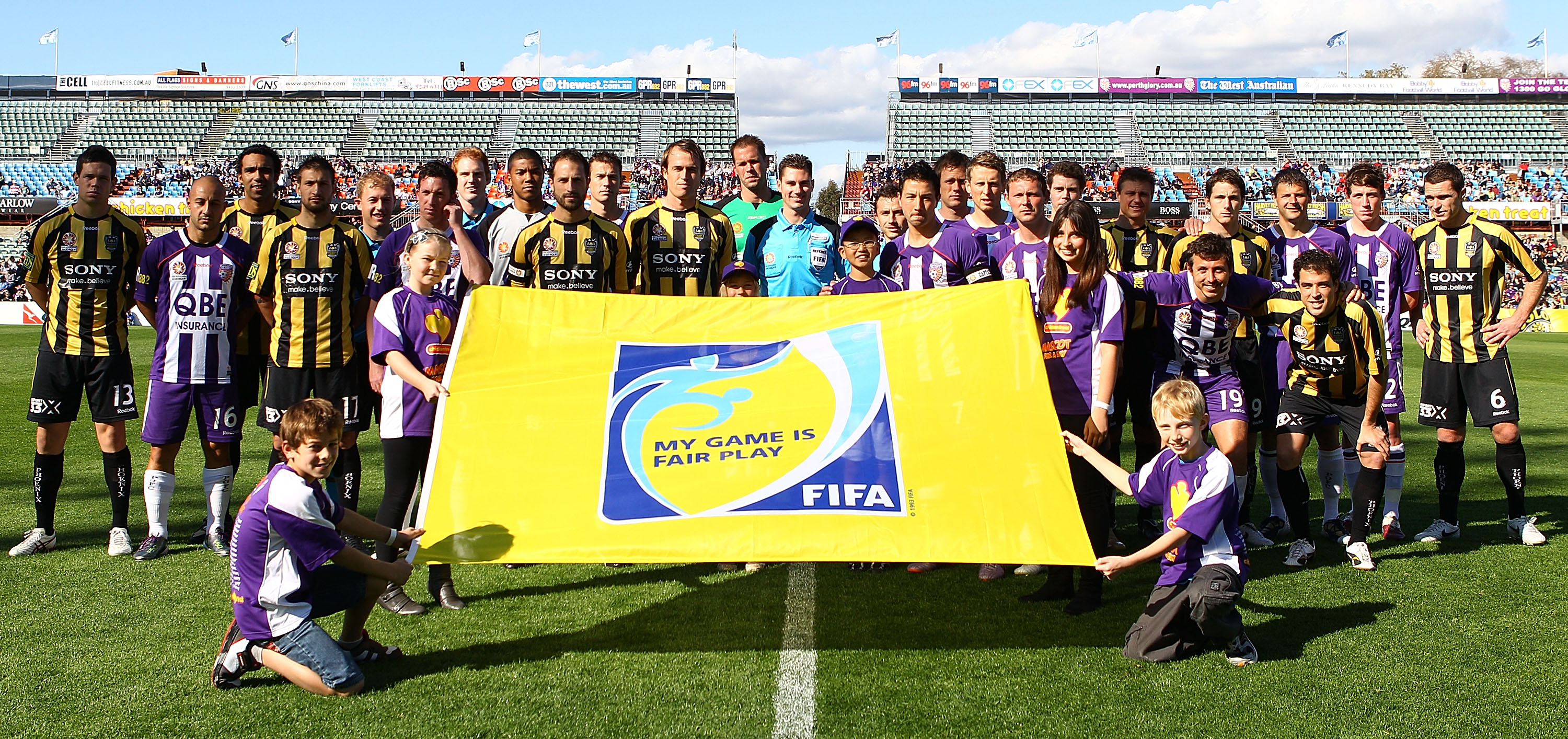 PERTH, AUSTRALIA - SEPTEMBER 05:  Players and officials pose to promote FIFA Fair Play during the round five A-League match between the Perth Glory and the Wellington Phoenix at nib Stadium on September 5, 2010 in Perth, Australia.  (Photo by Paul Kane/Ge