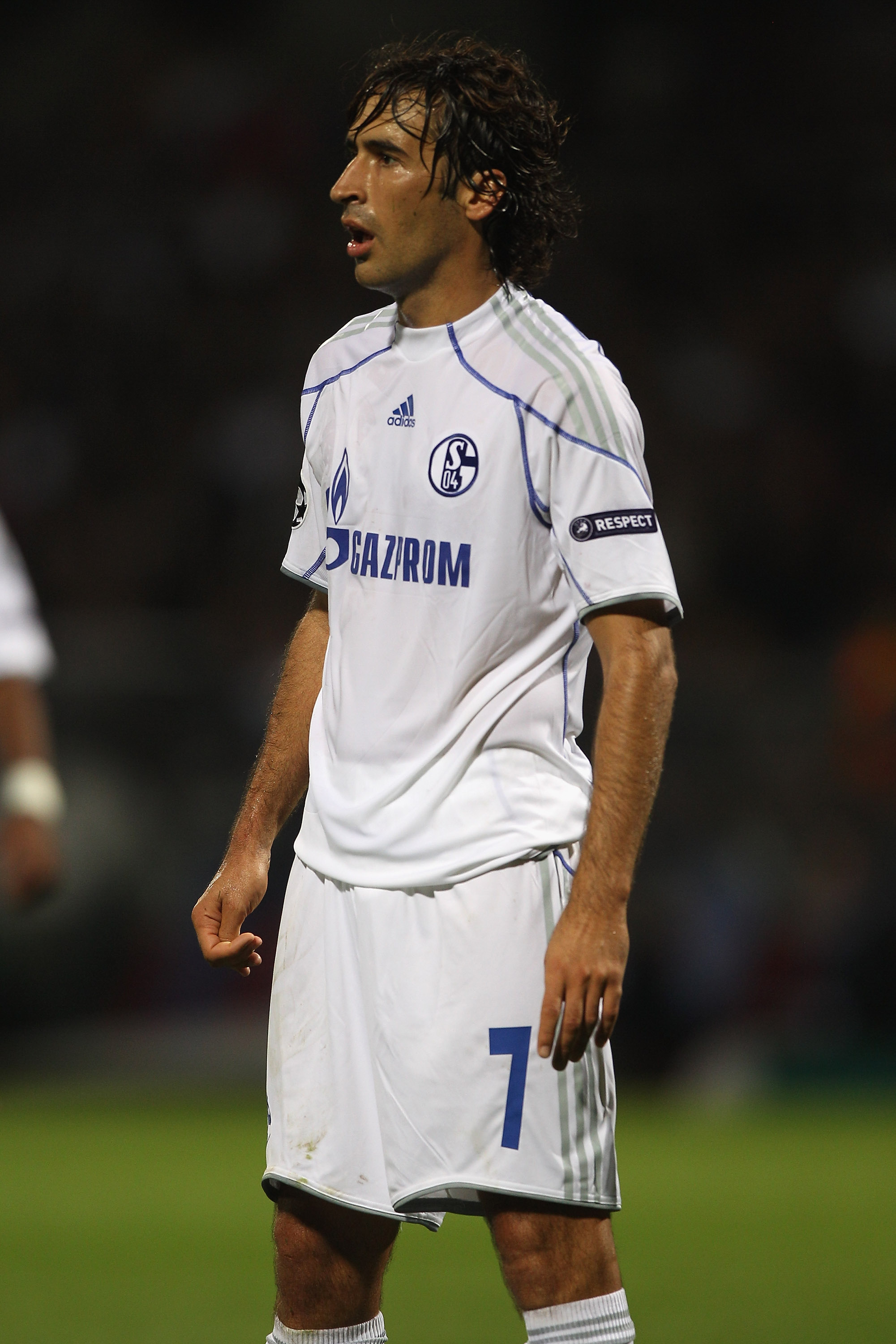 LYON, FRANCE - SEPTEMBER 14: Raul Gonzalez of Schalke during the UEFA Champions League Group B match between Olympique Lyonnais and FC Schalke 04 at the Stade de Gerland on September 14, 2010 in Lyon, France.  (Photo by Michael Steele/Getty Images)