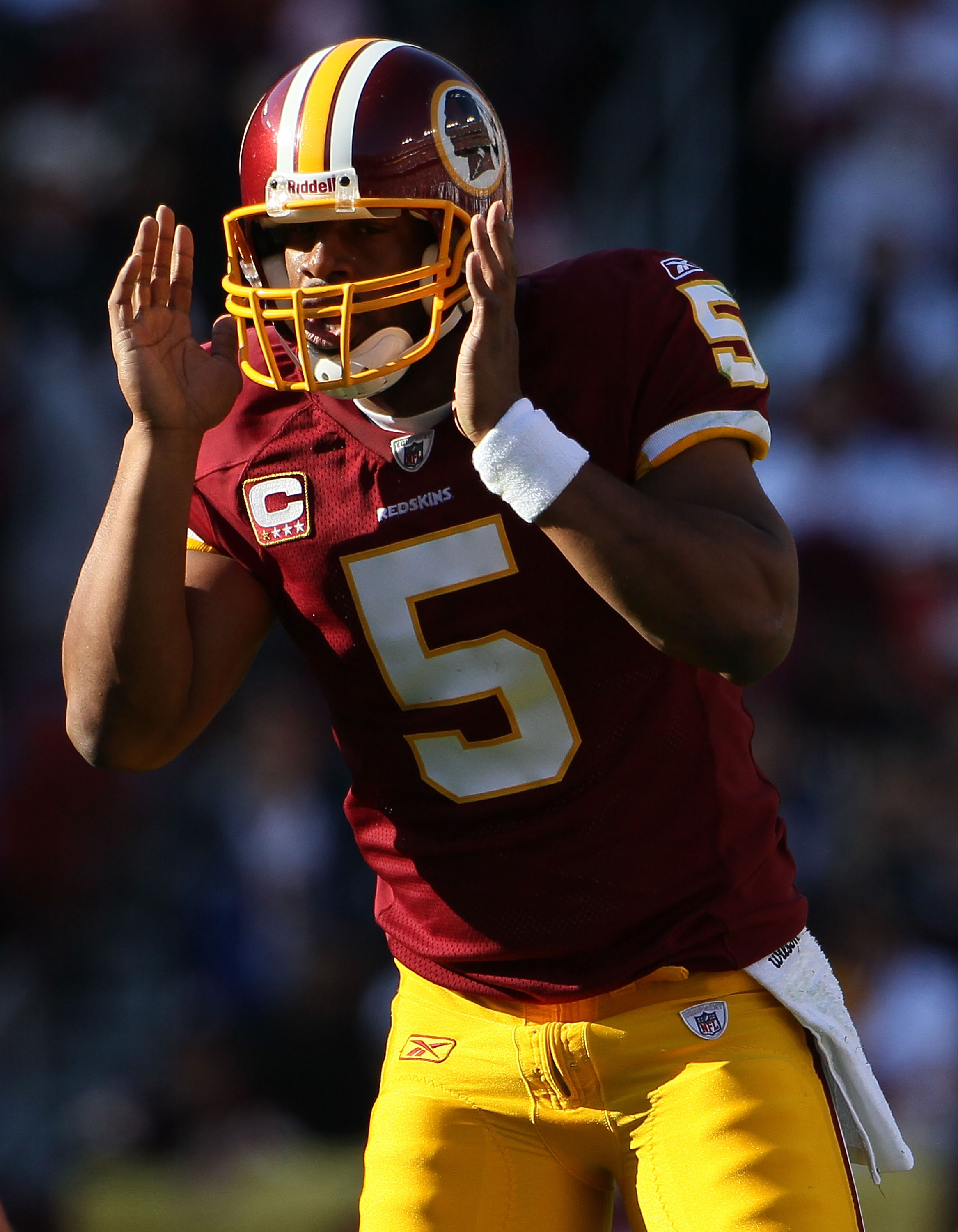 LANDOVER, MD - NOVEMBER 28:  Quarterback Donovan McNabb #5 calls out signals against the Minnesota Vikings at FedExField November 28, 2010 in Landover, Maryland. The Vikings won the game 17-13.  (Photo by Win McNamee/Getty Images)
