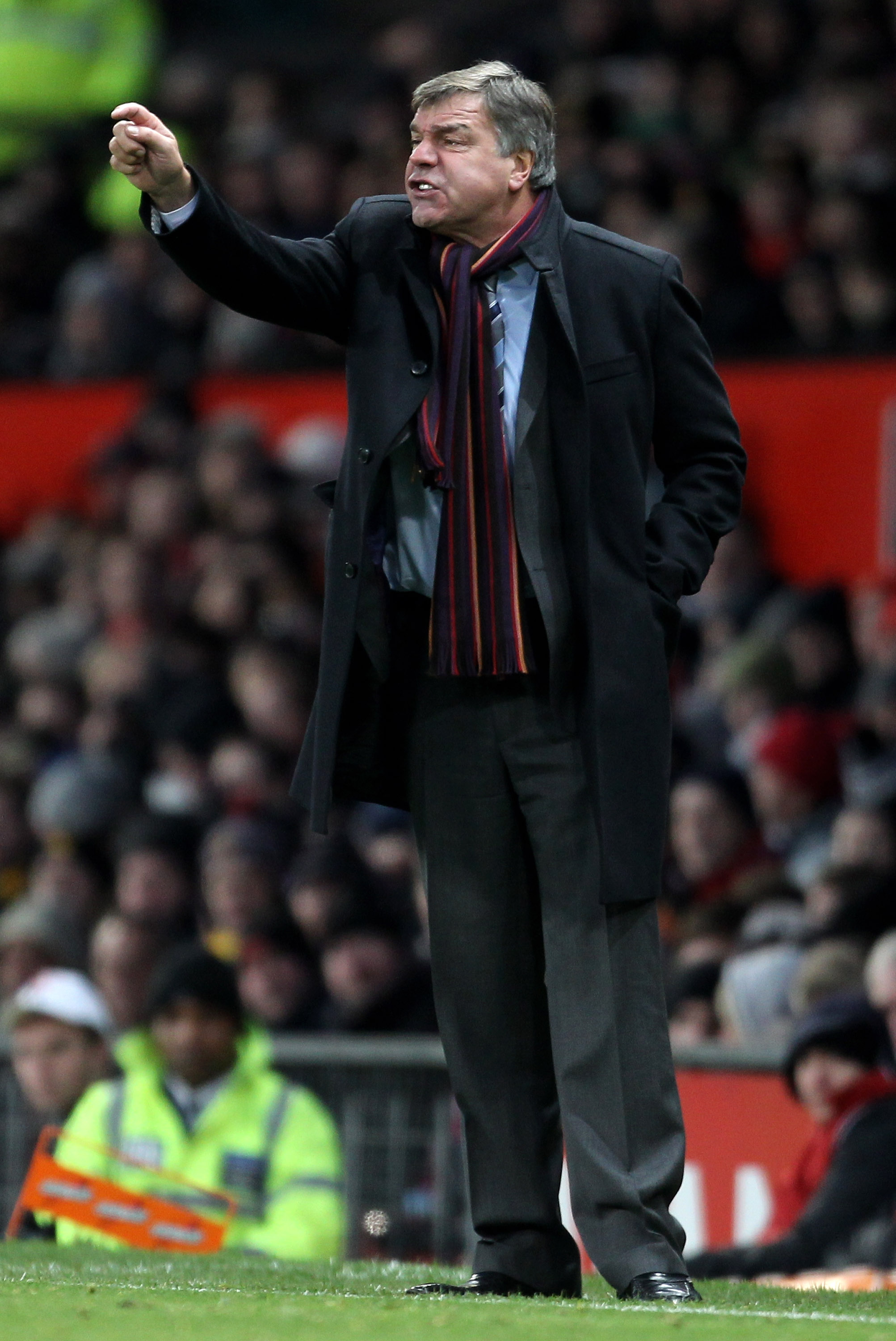 MANCHESTER, ENGLAND - NOVEMBER 27:   Blackburn Rovers Manager Sam Allardyce issues instructions during the Barclays Premier League match between Manchester United and Blackburn Rovers at Old Trafford on November 27, 2010 in Manchester, England. (Photo by