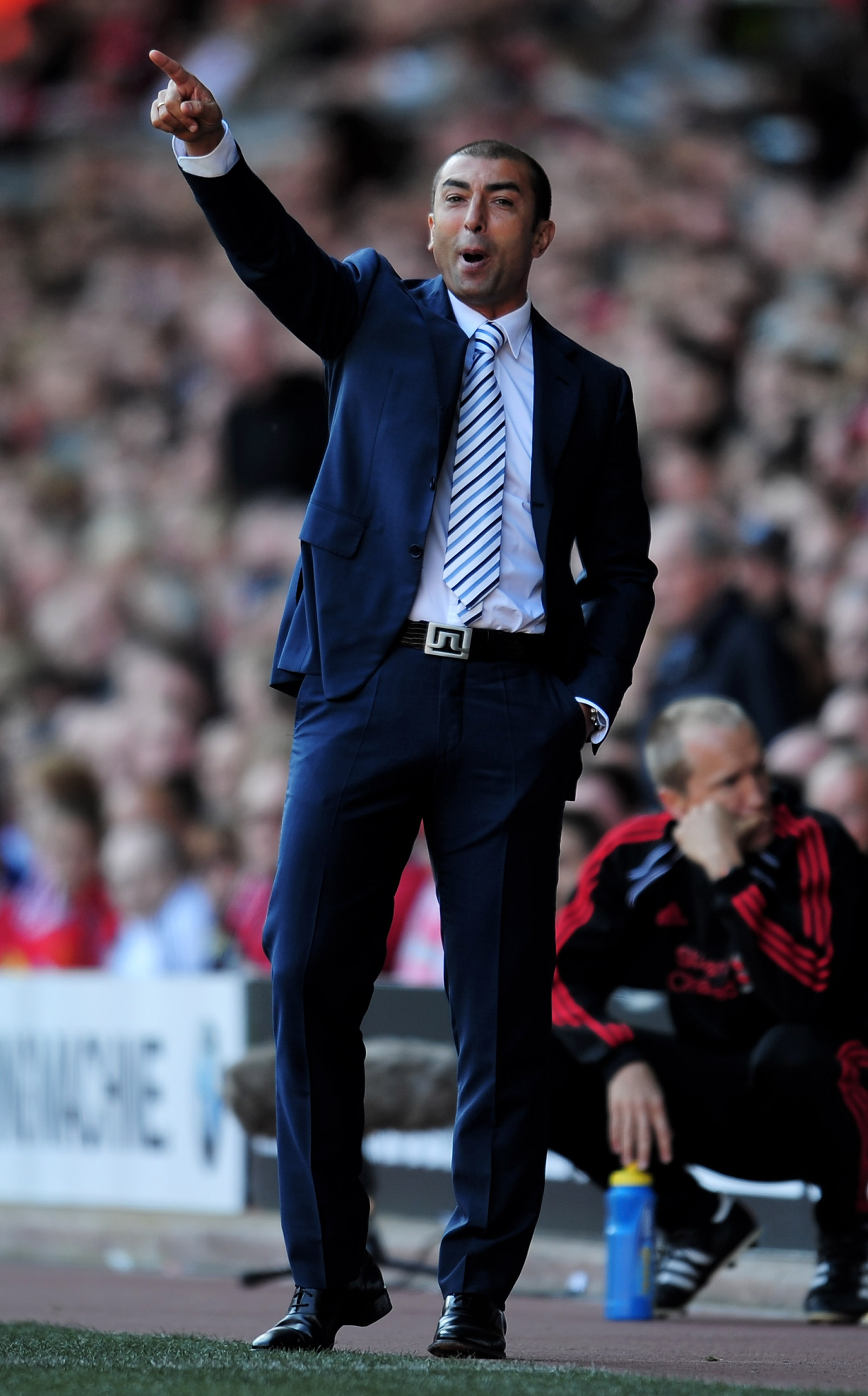 LIVERPOOL, ENGLAND - AUGUST 29:  West Bromwich Albion Manager Roberto Di Matteo issues instructions during the Barclays Premier League match between Liverpool and West Bromwich Albion at Anfield on August 29, 2010 in Liverpool, England.  (Photo by Shaun B