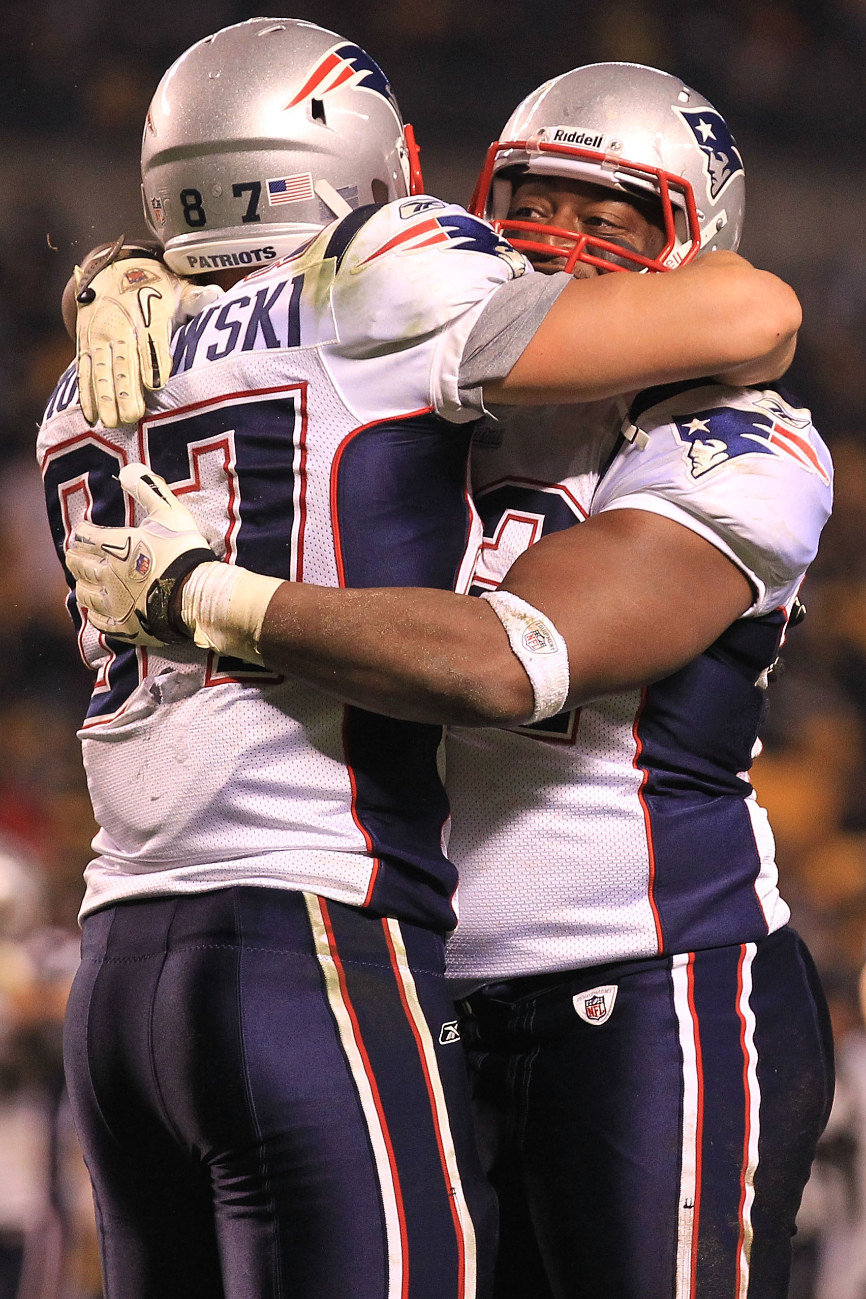 PITTSBURGH - NOVEMBER 14:  Rob Gronkowski #87 of the New England Patriots celebrates scoring a touchdown with team mate Alge Crumpler #82 against the Pittsburgh Steelers on November 14, 2010 at Heinz Field in Pittsburgh, Pennsylvania.  (Photo by Chris McG
