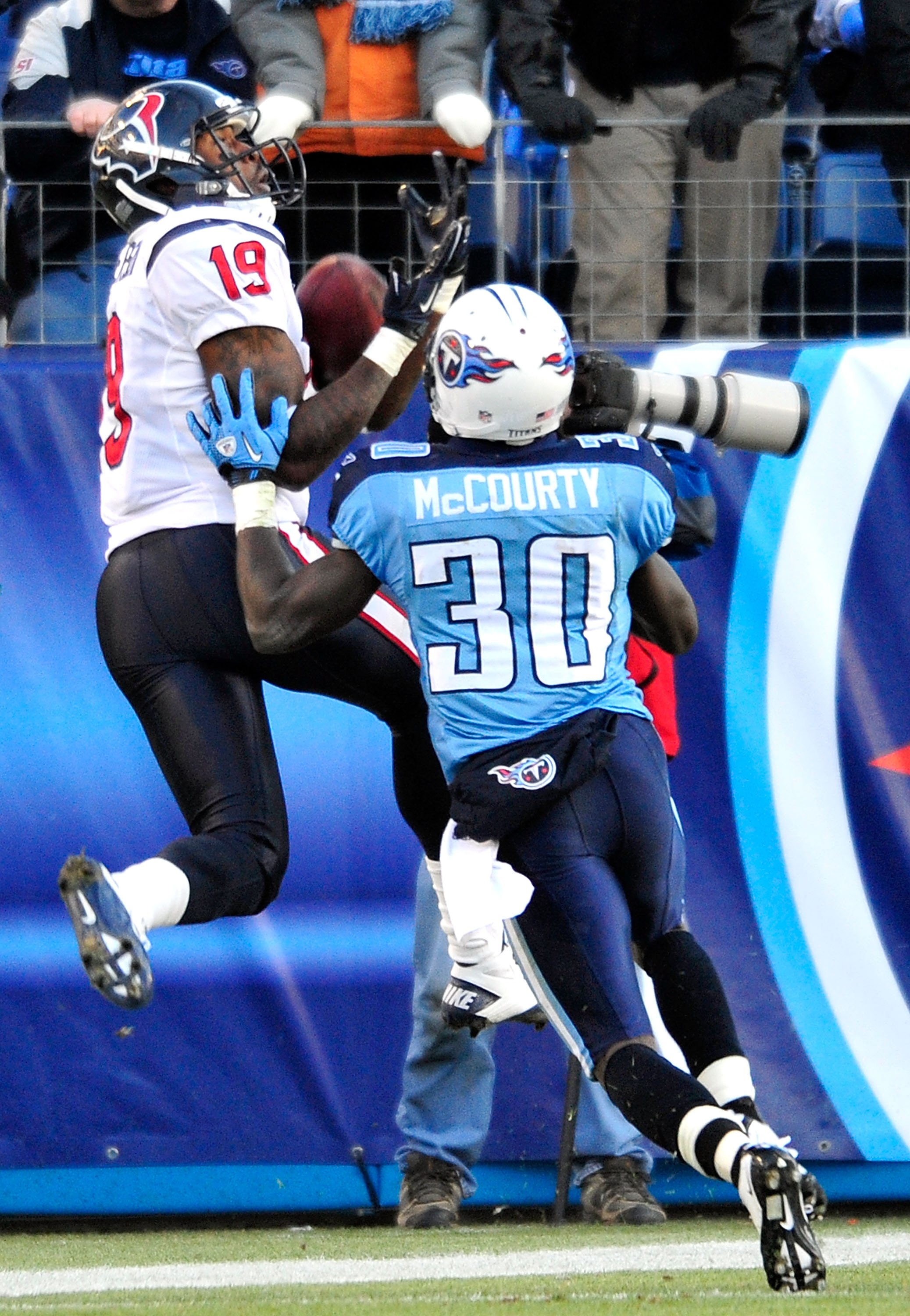 NASHVILLE, TN - DECEMBER 19:  Dorin Dickerson #19 of the Houston Texans can't make the touchdown catch as Jason McCourty #30 of the Tennessee Titans defends at LP Field on December 19, 2010 in Nashville, Tennessee. The Titans defeated the Texans, 31-17.