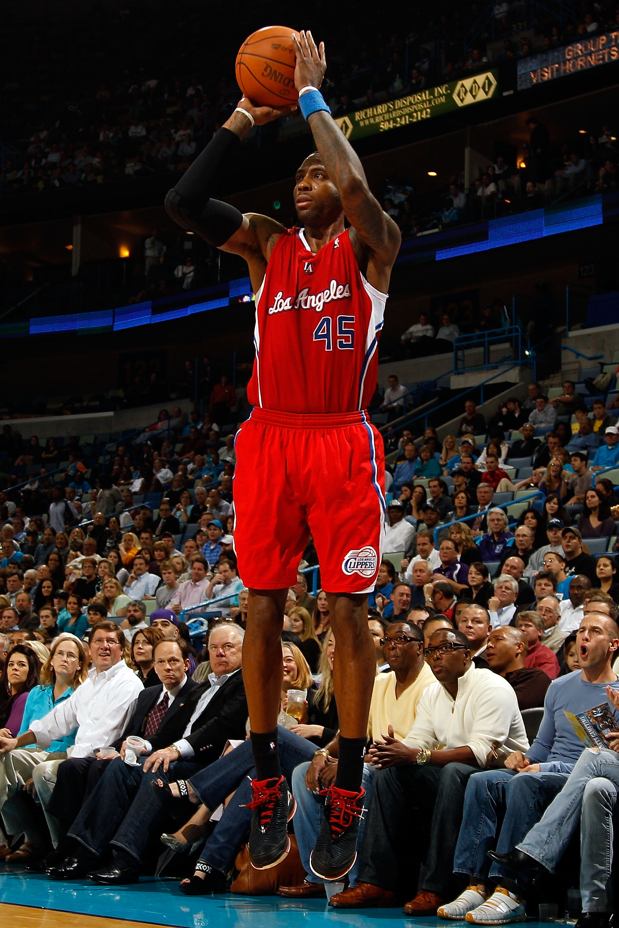 NEW ORLEANS - NOVEMBER 09:  Rasual Butler #45 of the Los Angeles Clippers shoots the ball during the game against the New Orleans Hornets at the New Orleans Arena on November 9, 2010 in New Orleans, Louisiana. The Hornets defeated the Clippers 101-82.   N