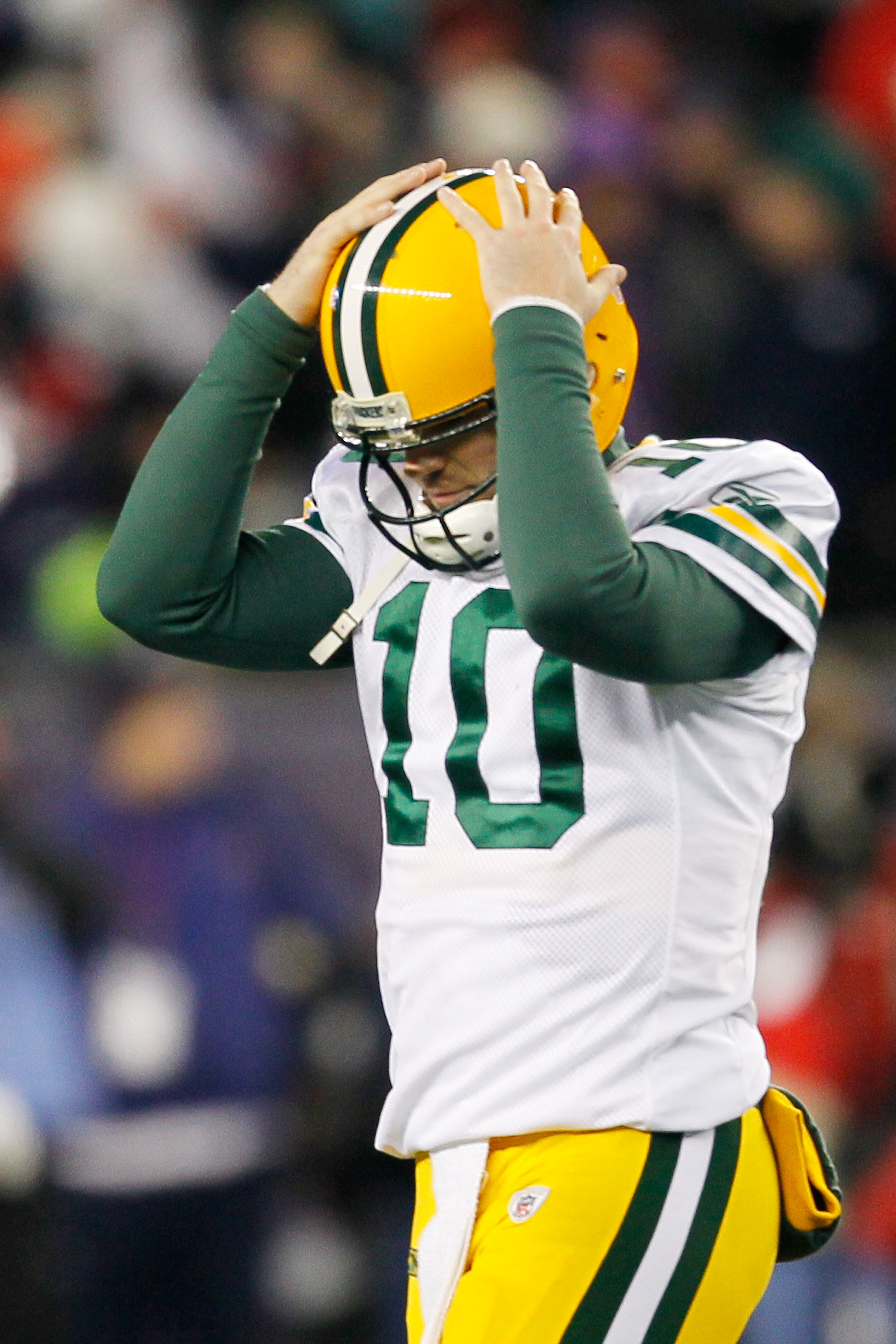 Matt Flynn had a tough task, filling in for Aaron Rodgers against New England, and was almost up to the task.