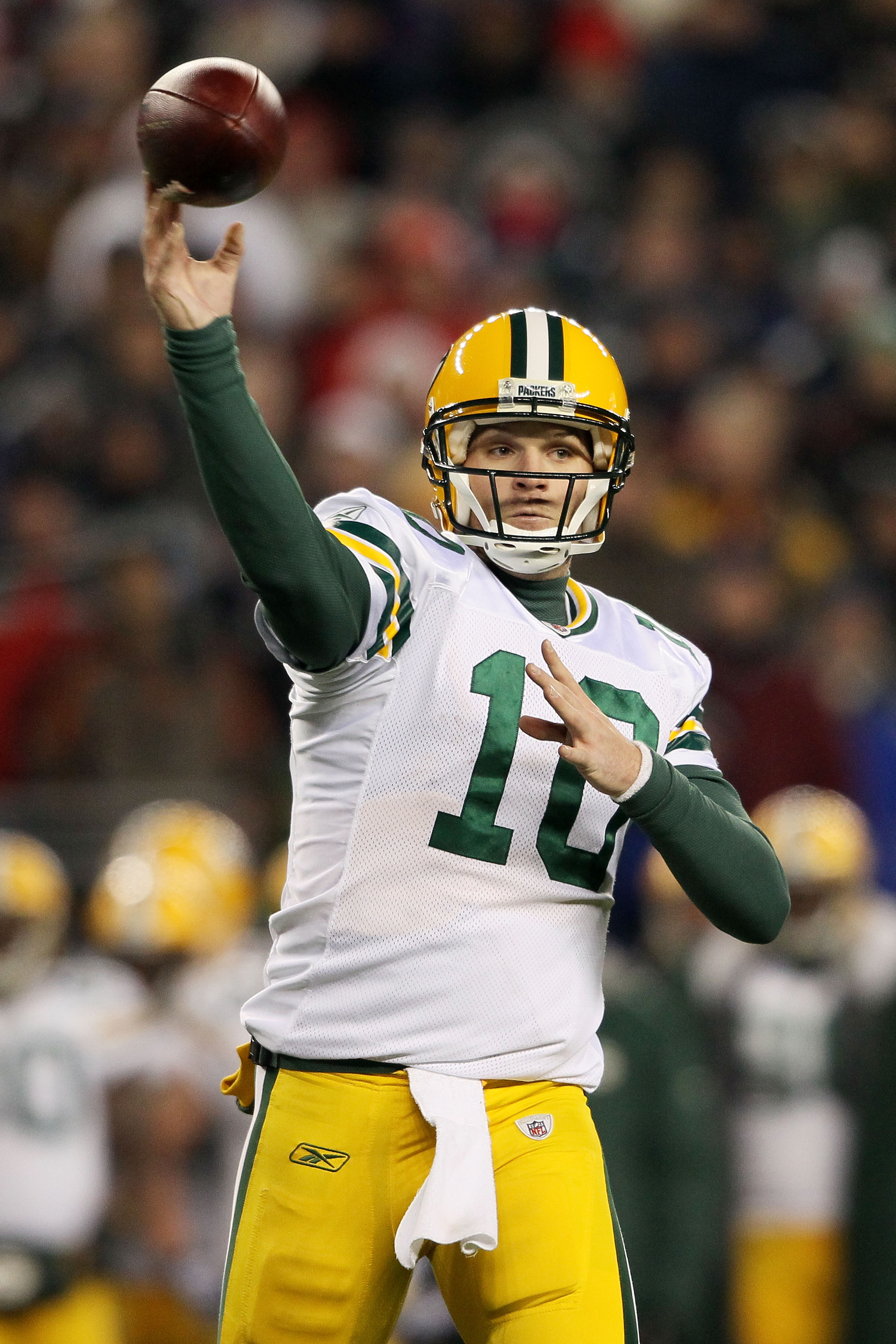 FOXBORO, MA - DECEMBER 19:  Quarterback Matt Flynn #10 of the Green Bay Packers throws a pass against the New England Patriots during the third quarter of the game at Gillette Stadium on December 19, 2010 in Foxboro, Massachusetts.  (Photo by Elsa/Getty I