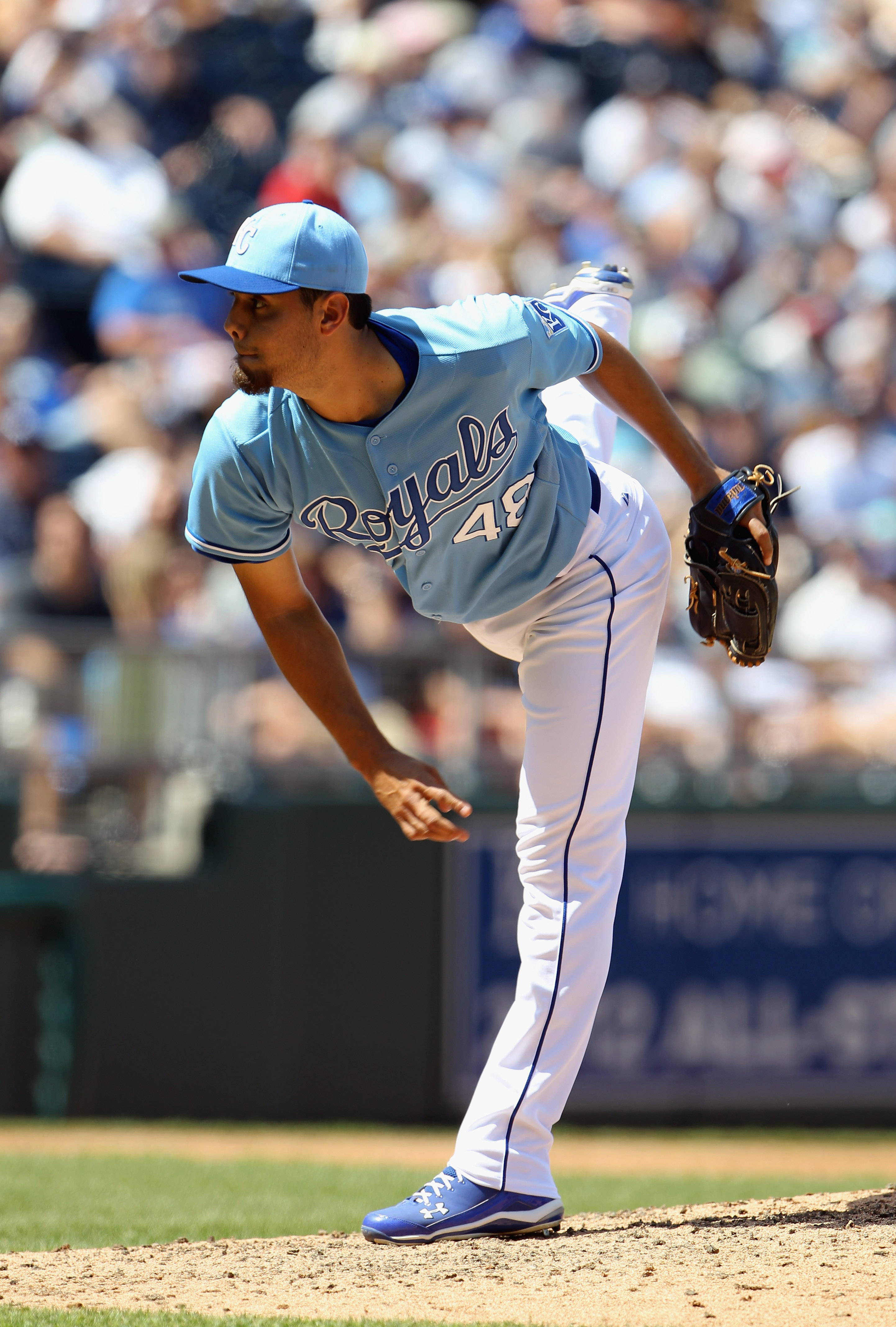 KANSAS CITY, MO - AUGUST 15:  Pitcher Joakim Soria #48 of the Kansas City Royals  in action during the game against the New York Yankees on August 15, 2010 at Kauffman stadium in Kansas City, Missouri.  (Photo by Jamie Squire/Getty Images)