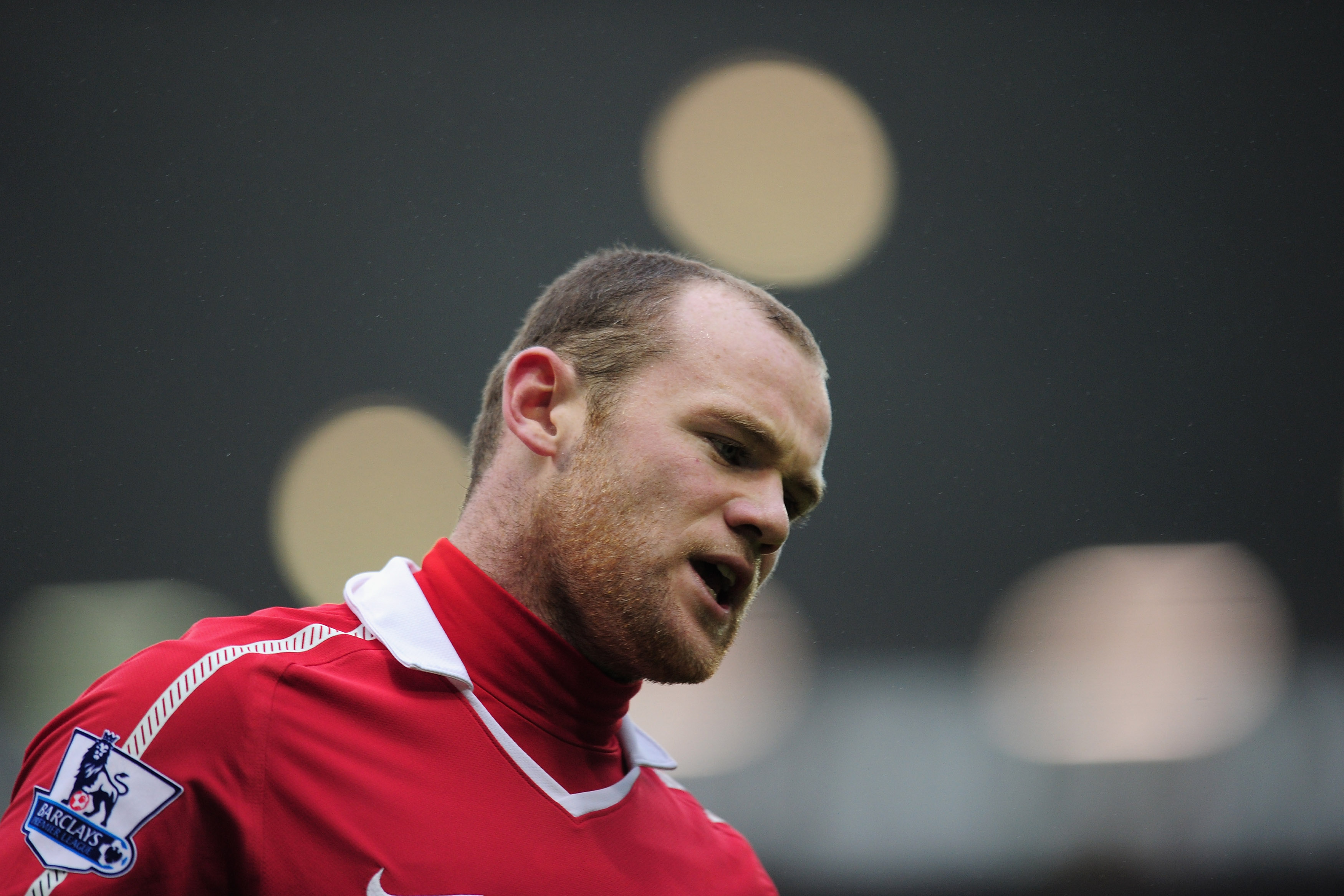 WEST BROMWICH, ENGLAND - JANUARY 01:  Wayne Rooney of Manchester United  during the Barclays Premier League match between West Bromich Albion and Manchester United at The Hawthorns on January 1, 2011 in West Bromwich, England.  (Photo by Shaun Botterill/G