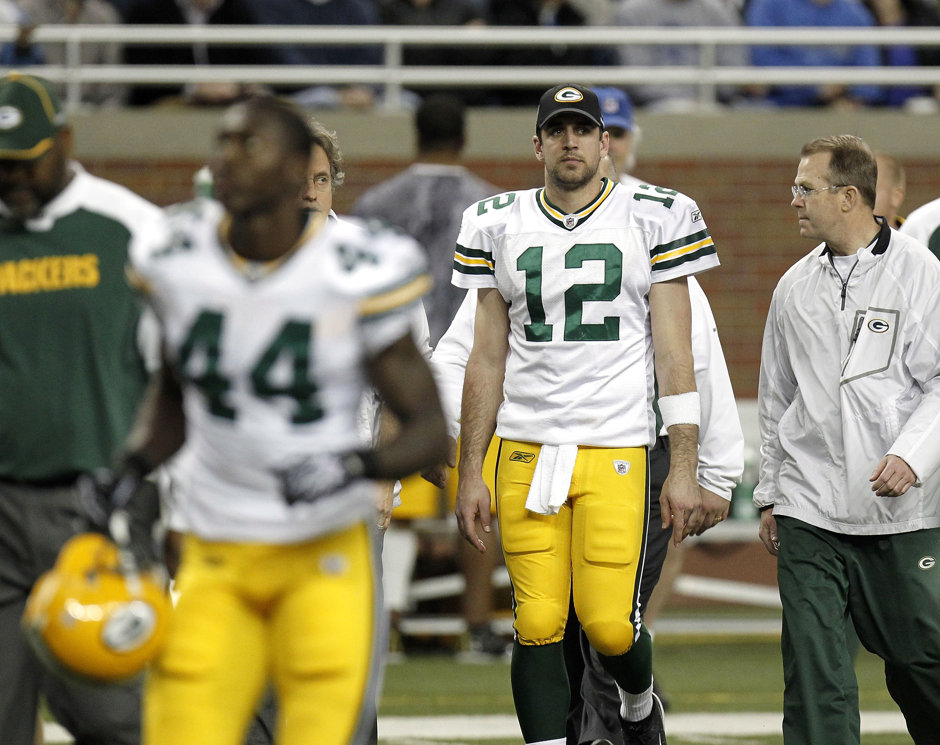 DETROIT, MI - DECEMBER 12:  Aaron Rodgers #12 of the Green Bay Packers leaves the field at halftime after leaving the game with a concussion while playing the Detroit Lions on December 12, 2010 at Ford Field in Detroit, Michigan.  (Photo by Gregory Shamus
