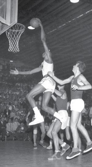 http://members.cox.net/bngolden1/basketballsnapshots8.htm